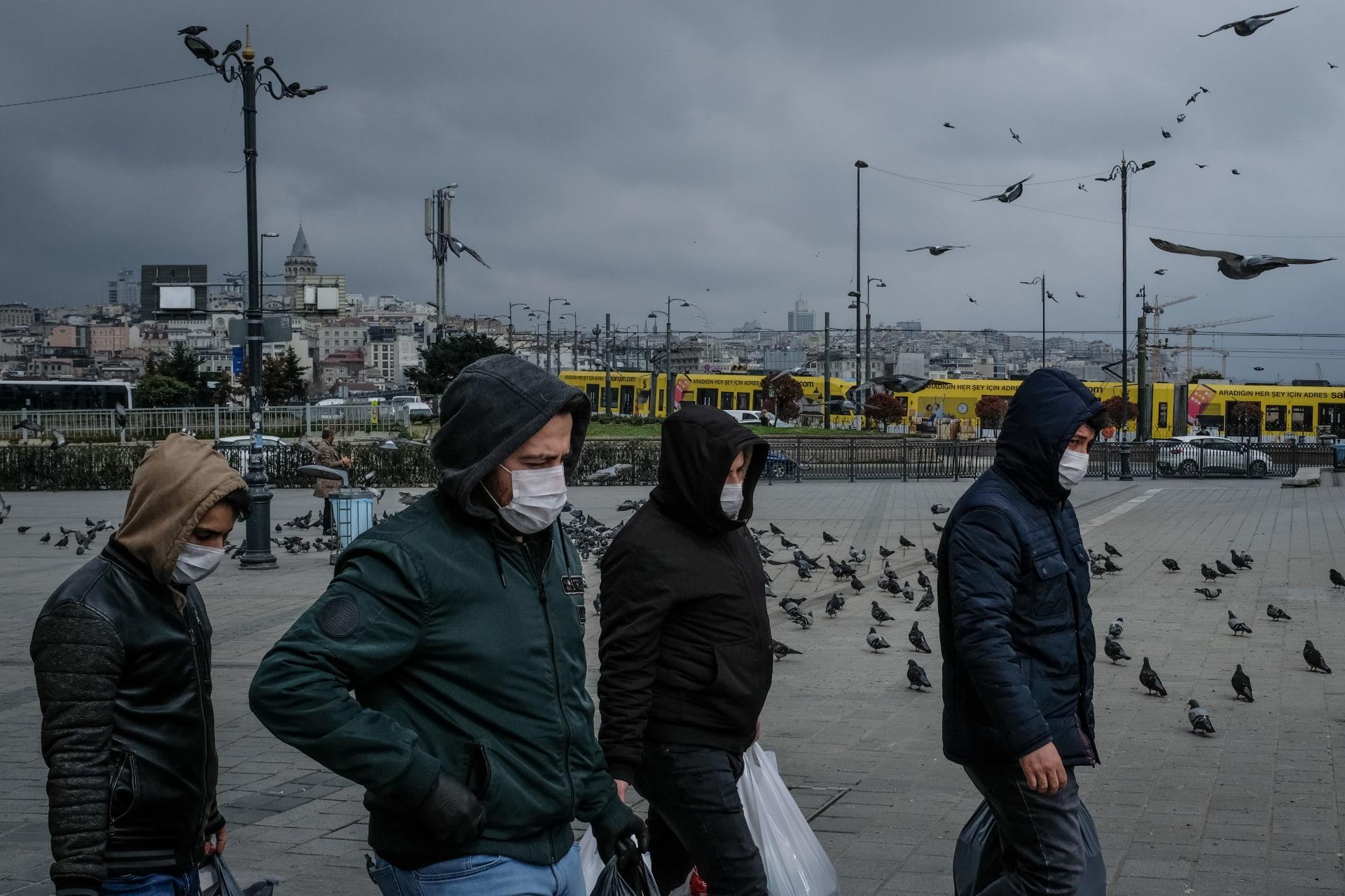 تركيا.. دخول قرار حظر التجول حيز التنفيذ في 31 ولاية
