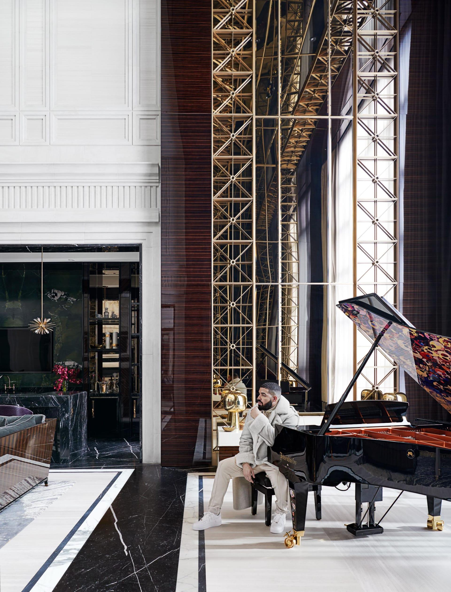 إلقي نظرة داخل قصر دريك الفاخر في تورنتو