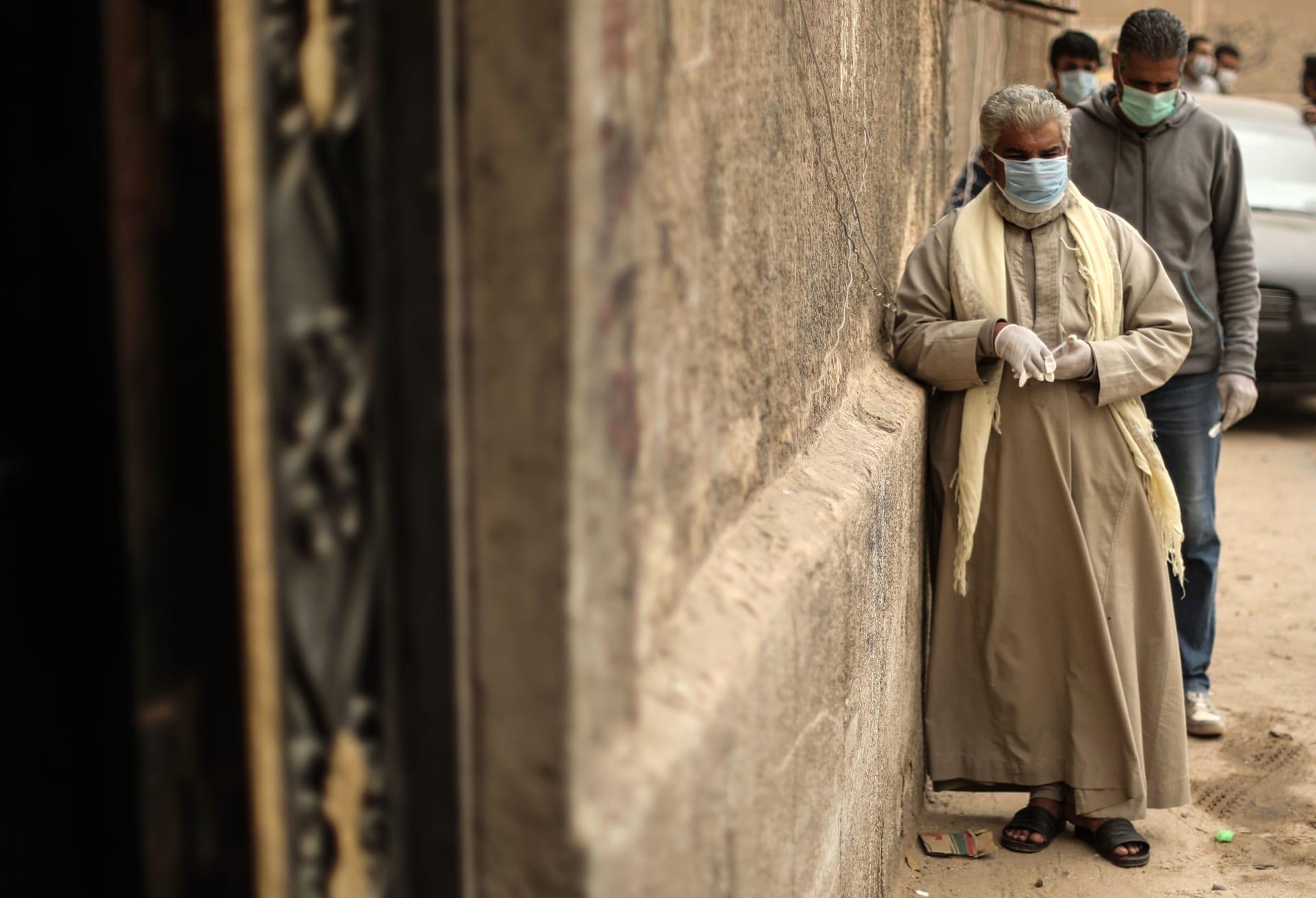 كورونا في مصر.. الإصابات تكسر حاجز الـ2000 وهذه أعداد الوفيات وحالات الشفاء
