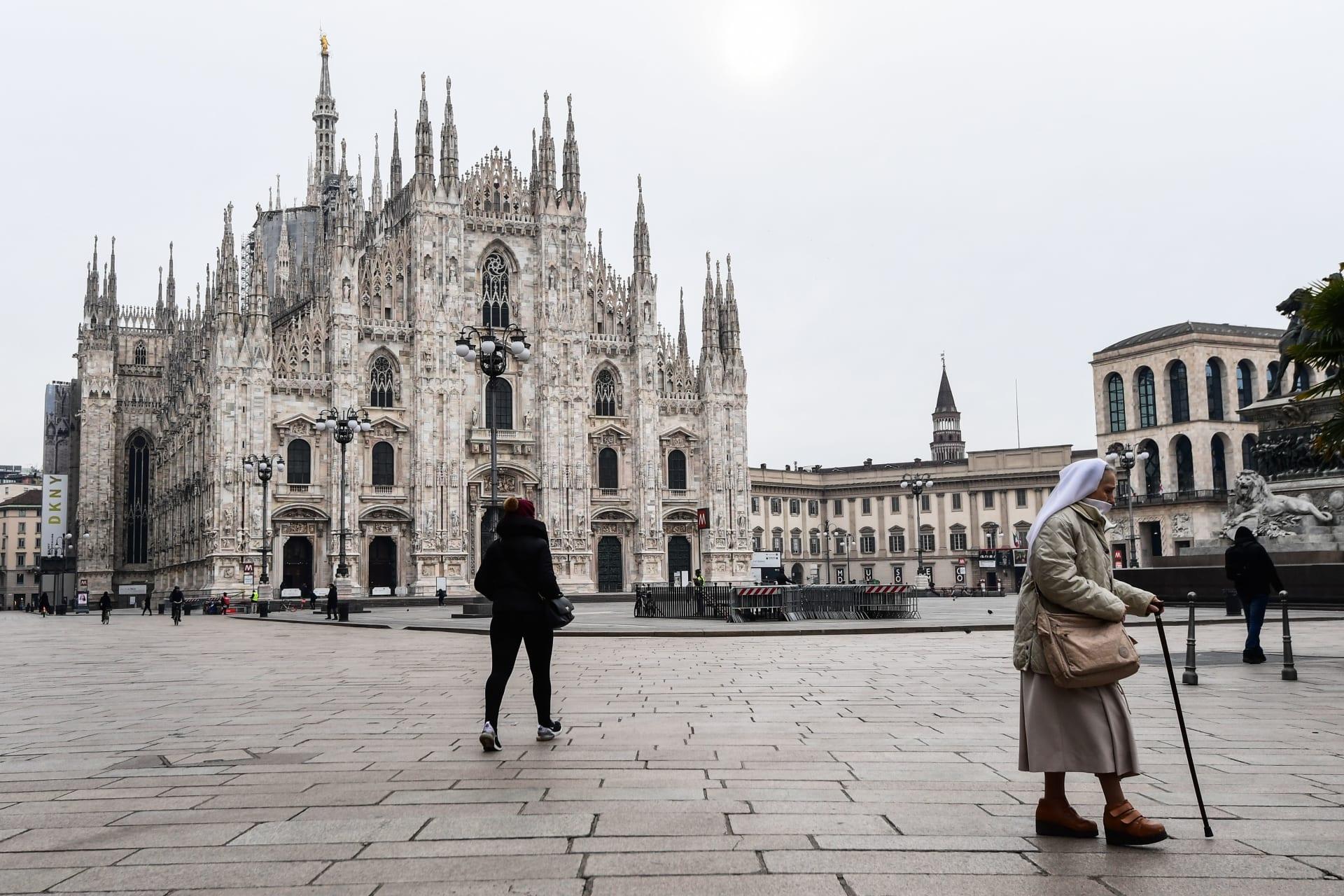 كاتدرائية ميلانو في إيطاليا