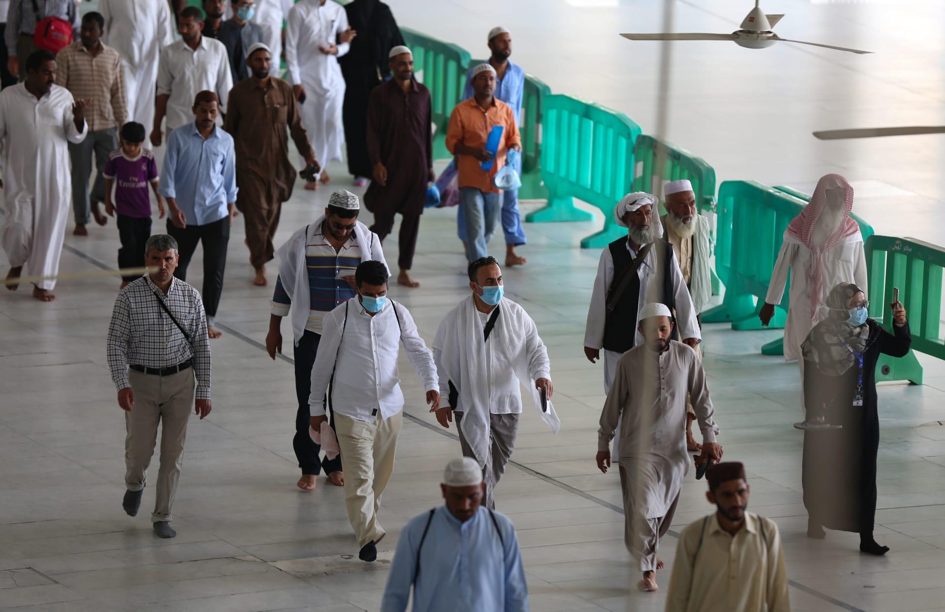 """كورونا في السعودية.. أمير ينتقد العنصرية ضد الوافدين: """"هل هناك أحد يتعمد  الإصابة بالمرض؟"""" - CNN Arabic"""