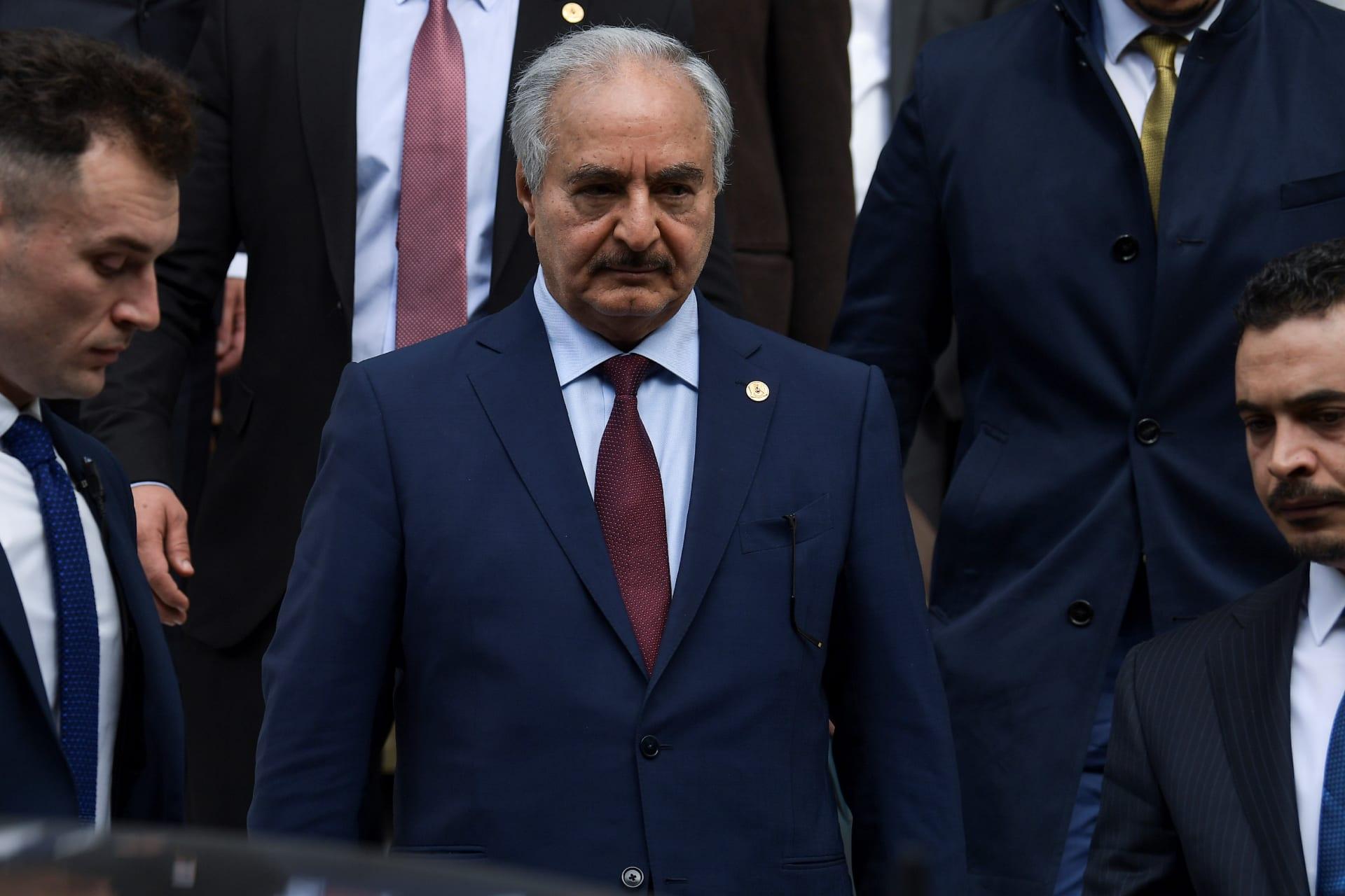 """خليفة حفتر قائد قوات شرق ليبيا """"الجيش الوطني"""""""