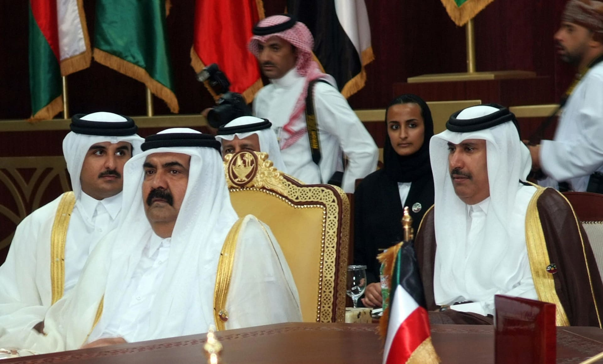 """حمد بن جاسم يثير تكهنات بأول تغريدة بعد """"محاولة الانقلاب"""" في قطر"""