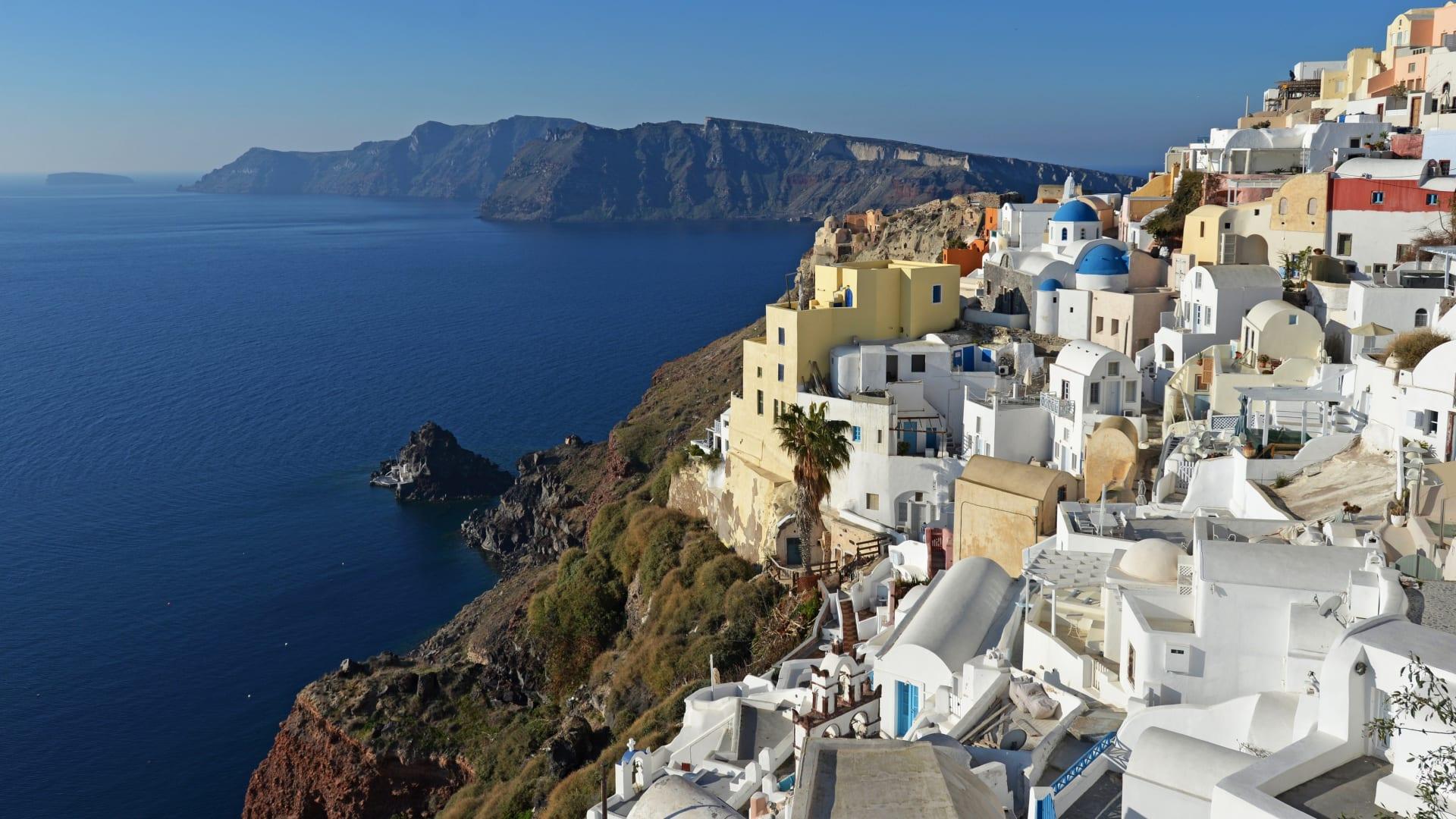 """بعد """"انتصارها على فيروس كورونا"""".. اليونان تستعد لموسم السياحة"""