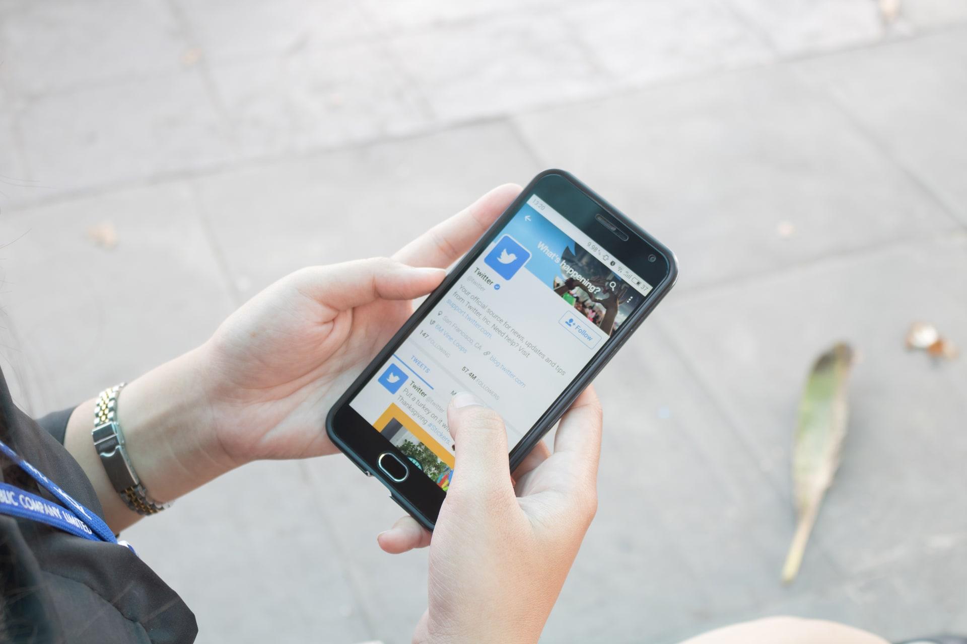 """""""لمسة إنسانية"""".. تويتر تطلق ميزة """"التغريدات الصوتية"""""""