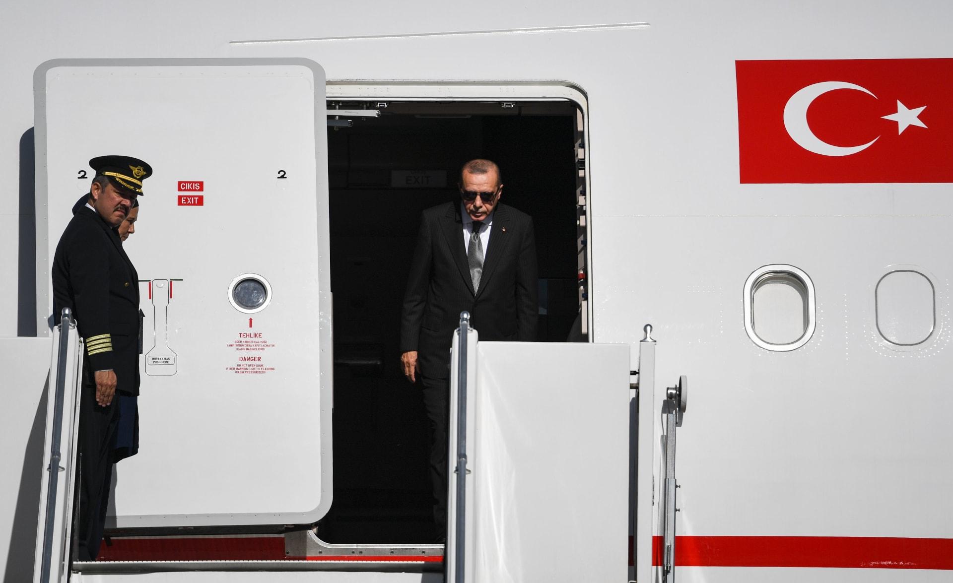 قطر أول وجهة خارجية لأردوغان منذ انتشار كورونا.. وخليفة بن حمد: تحالف أخوي