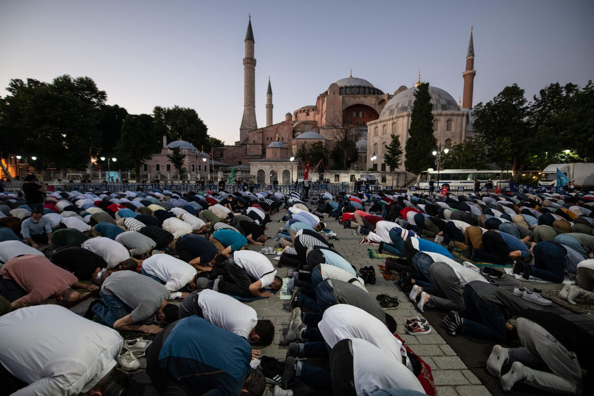"""اليونسكو """"تأسف بشدة"""" لقرار تركيا تحويل آيا صوفيا إلى مسجد"""