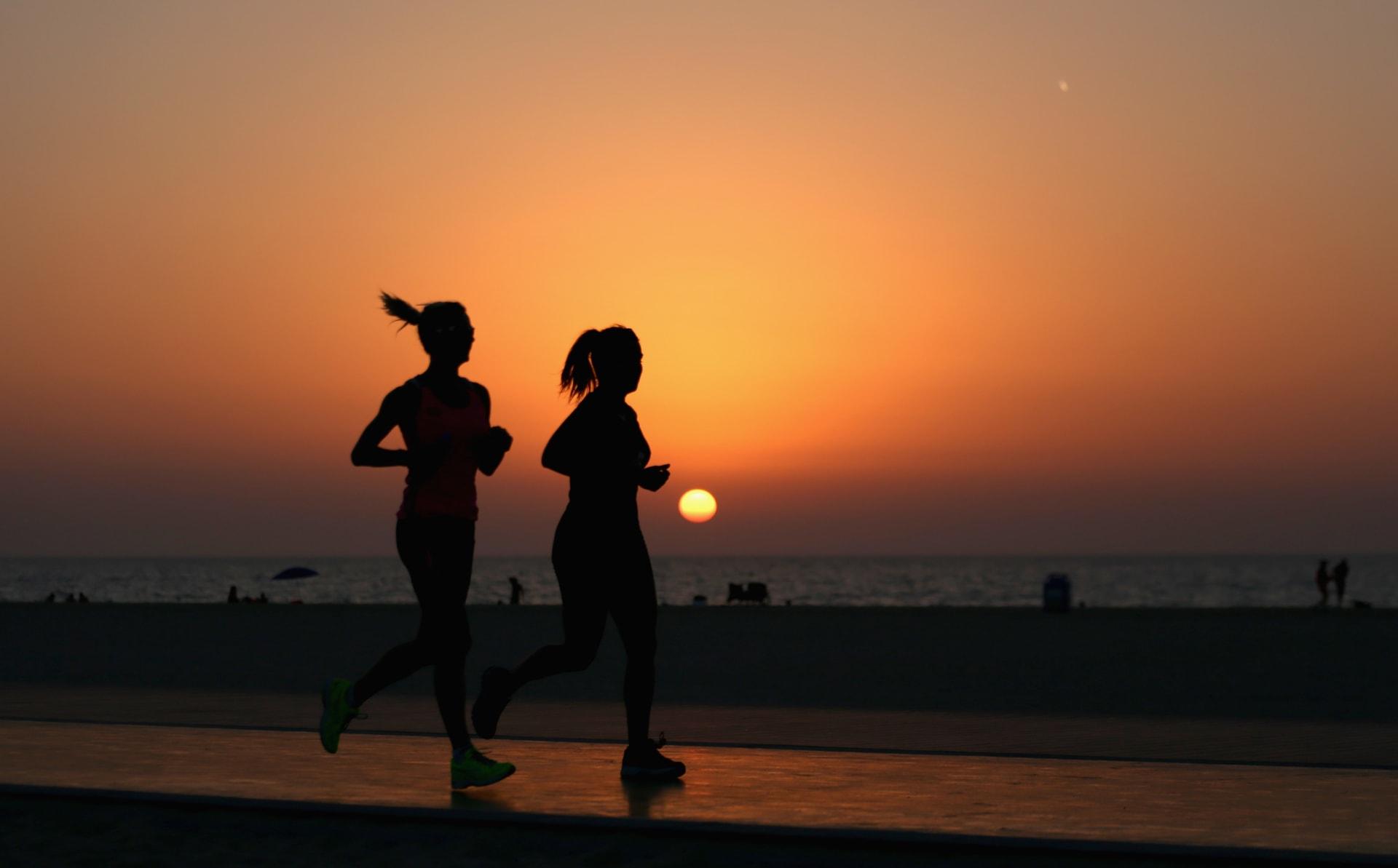 كم دقيقة يجب أن تمارس النشاط البدني أسبوعياً حتى لا تتأثر بمضاعفات كورونا؟