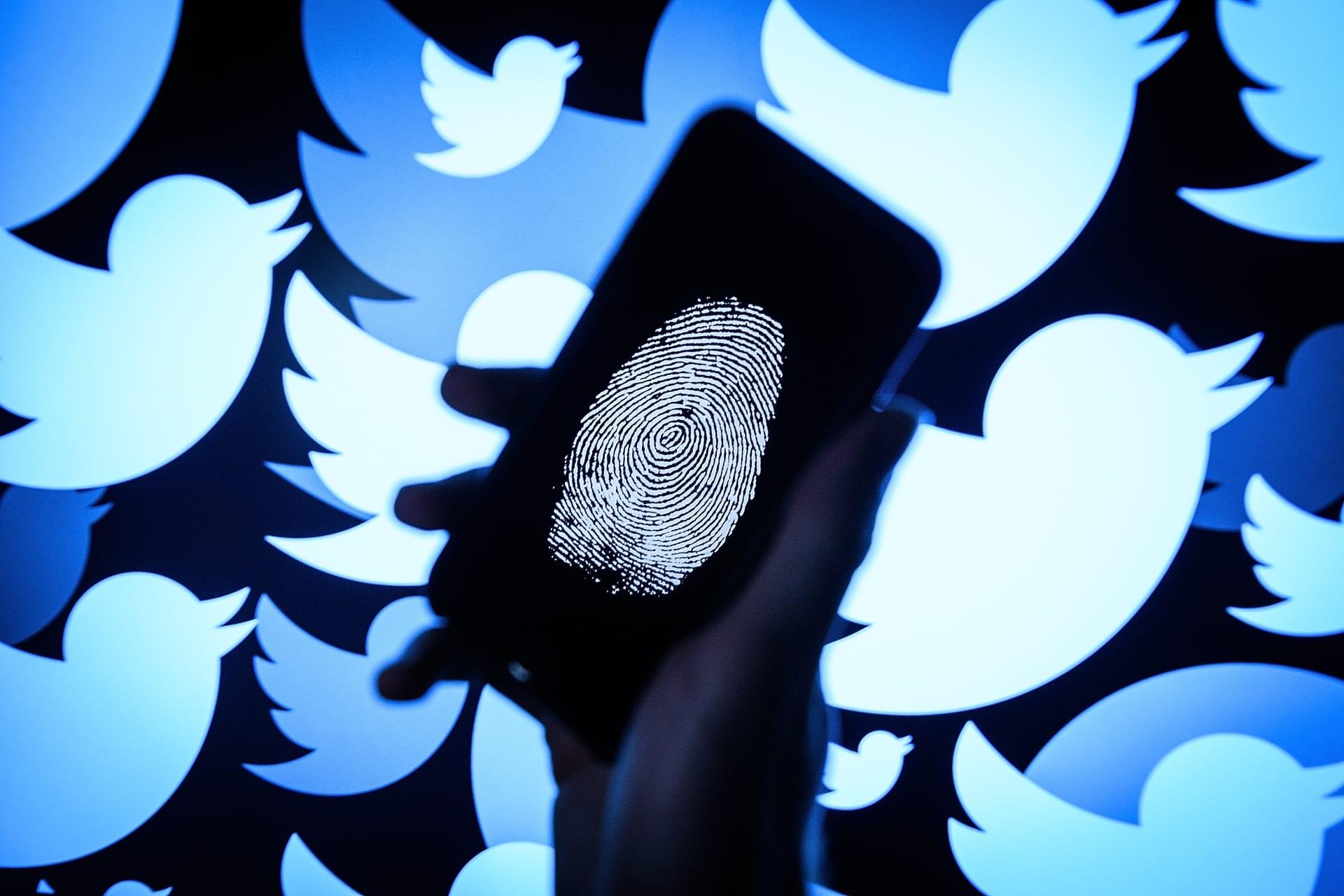 تويتر تؤكد تحميل معلومات شخصية من 8 حسابات تعرضت للاختراق