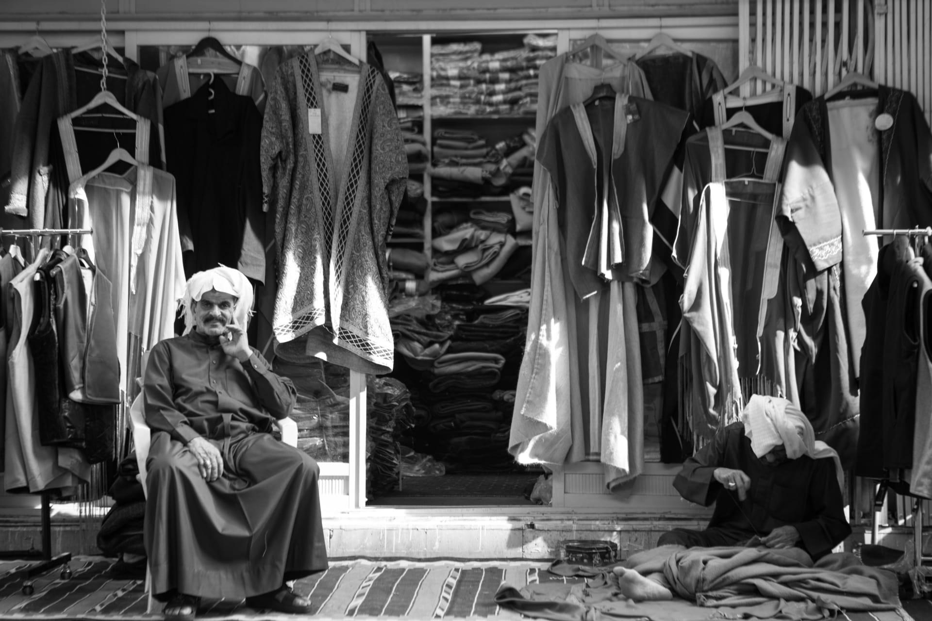 بعد أن قررت أن تكون غريبة بمسقط رأسها.. مصورة تكتشف عالم جديد بمدينة الكويت