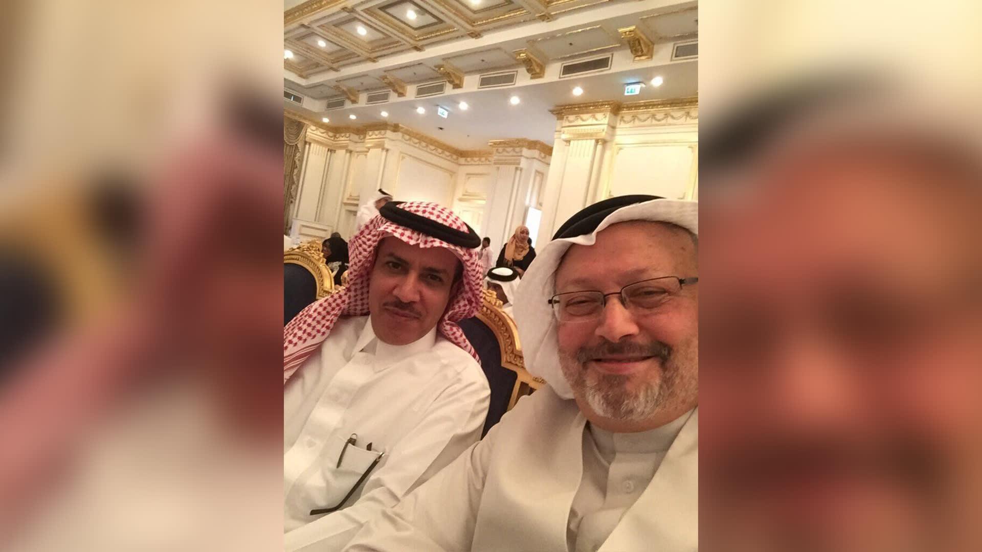 """وفاة الكاتب السعودي صالح الشيحي بعد شهرين من إطلاق سراحه.. ومعارضون يشبهونه بـ""""خاشقجي"""""""