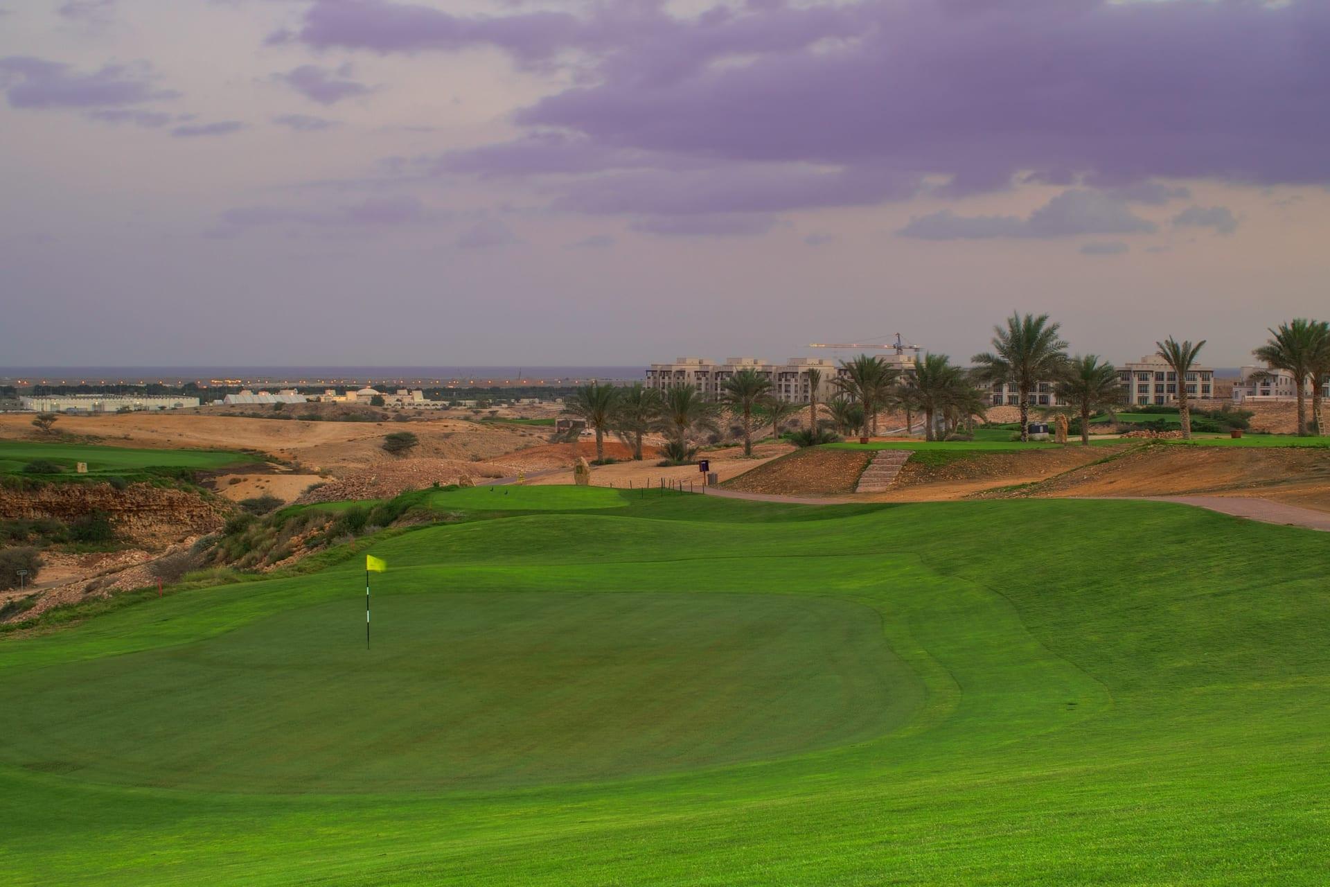 """اكتشاف رائع في سلطنة عمان يجعلها """"موطن الغولف"""" وتجربة لن تصدقها"""
