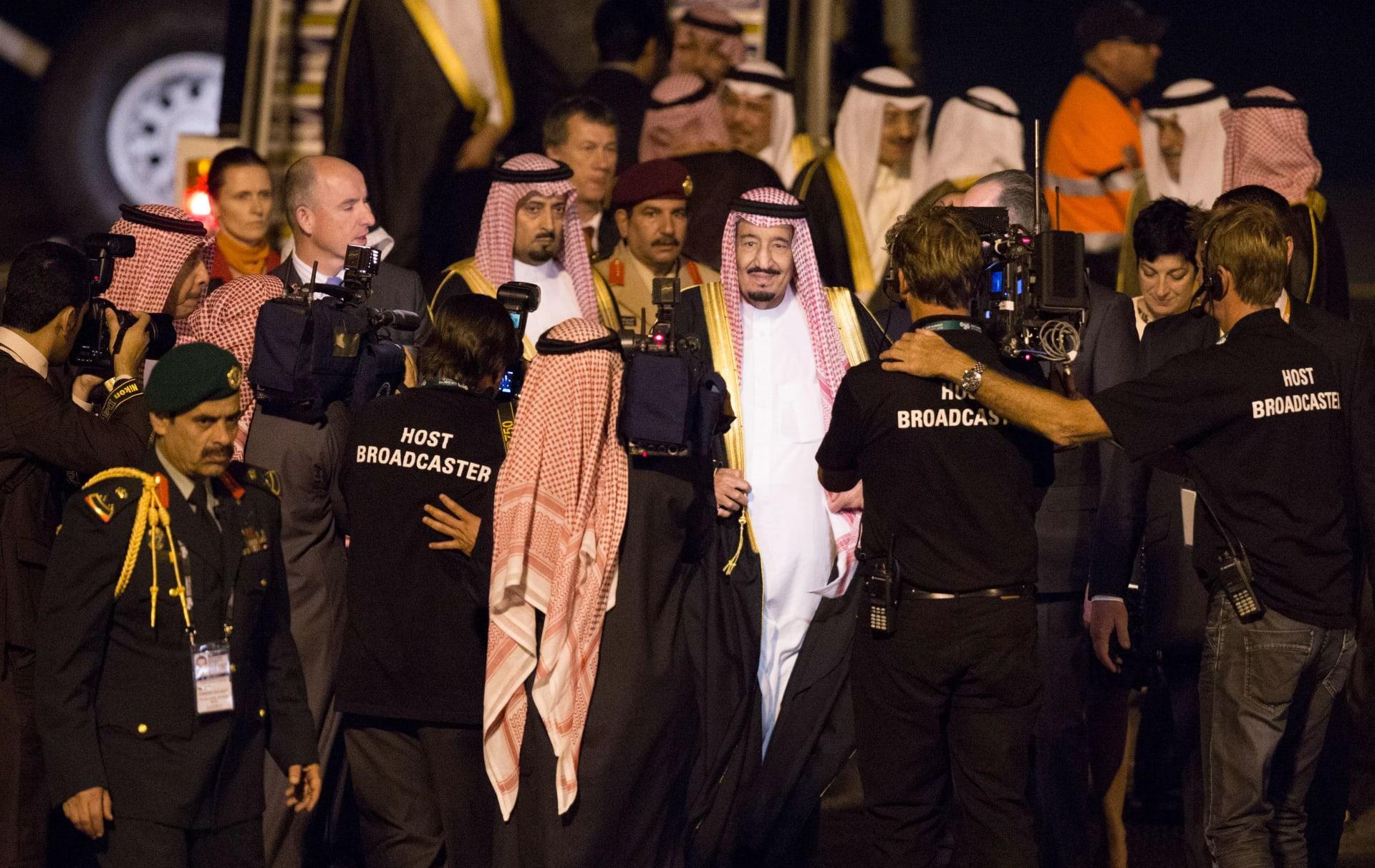 بعد دخوله المستشفى.. الملك سلمان يتلقى اتصالا من أمير الكويت