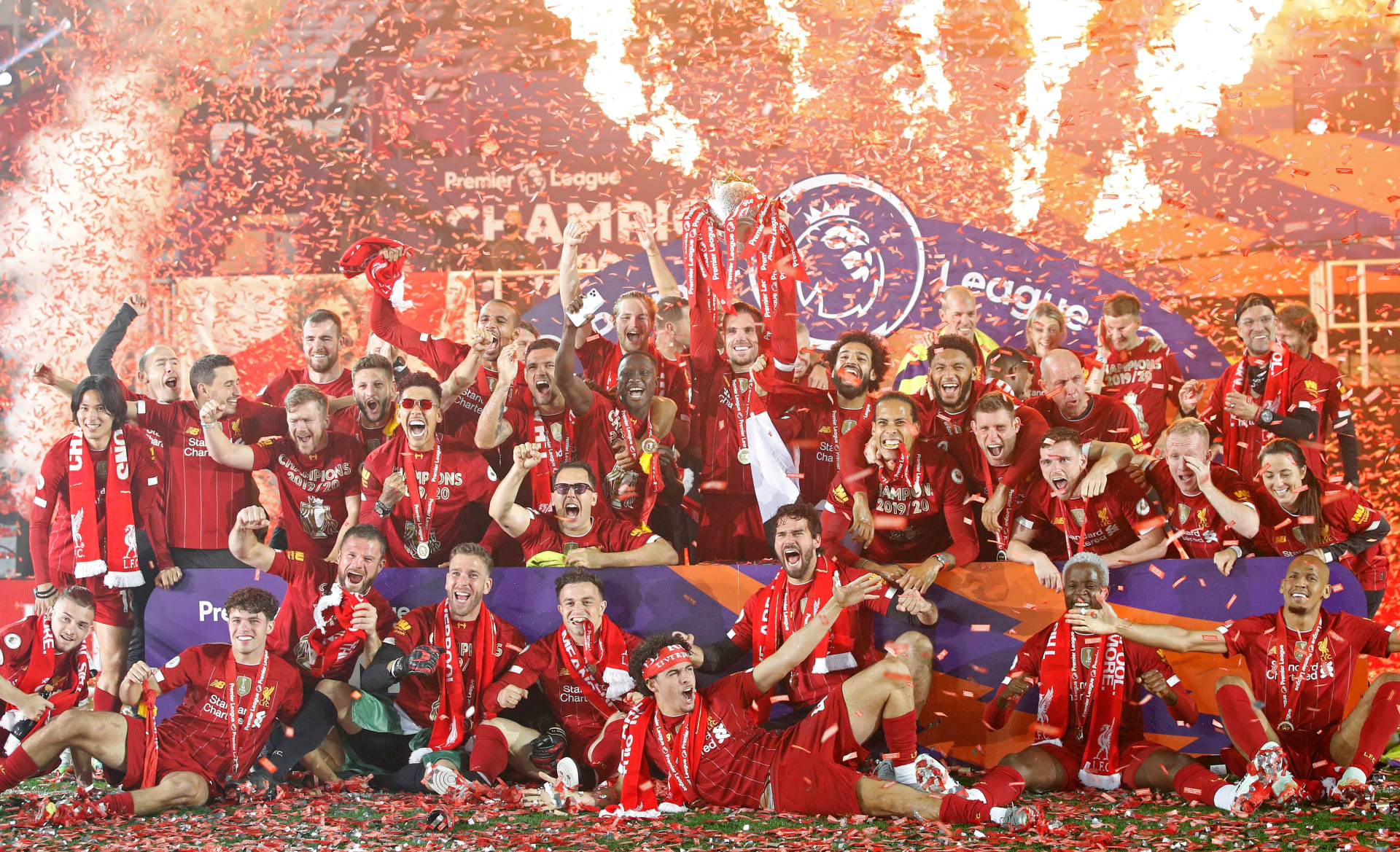 ليفربول يحتفل بدرع الدوري الإنجليزي الممتاز