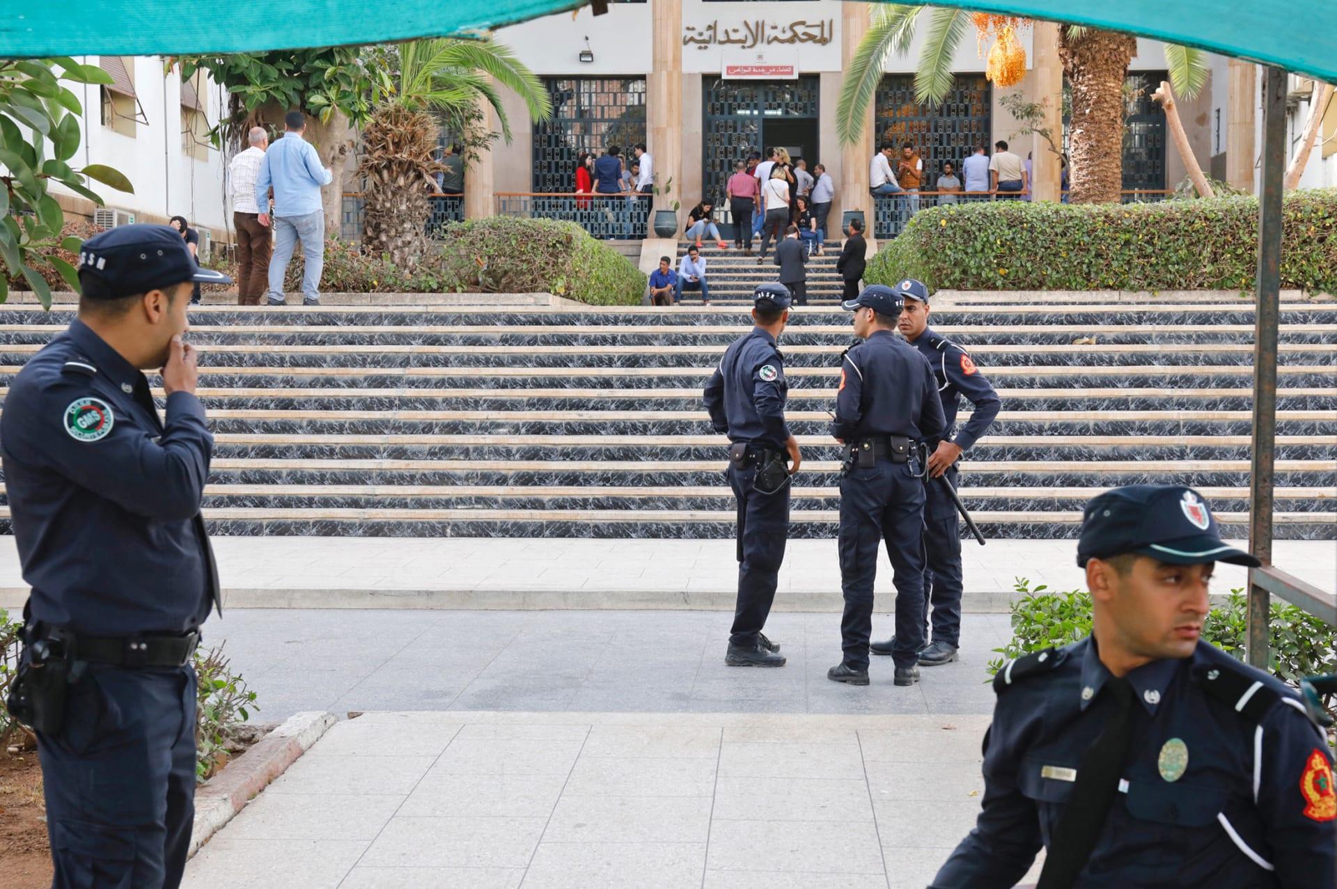 المغرب: توقيف شخص نشر فيديو وهو يضرب سيدة عارية ومكبلة