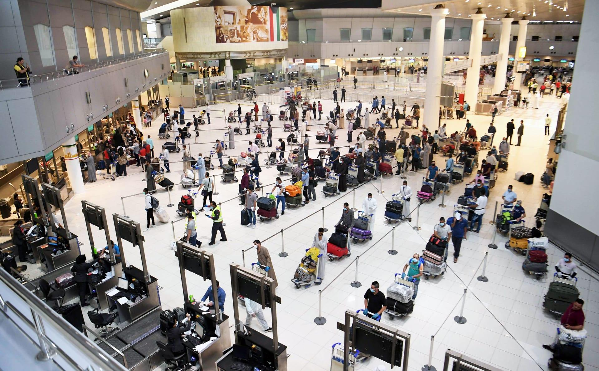 بعد ما يُقارب الـ5 أشهر على الإغلاق.. الكويت تُعلن عودة حركة الطيران إلى 20 وجهة