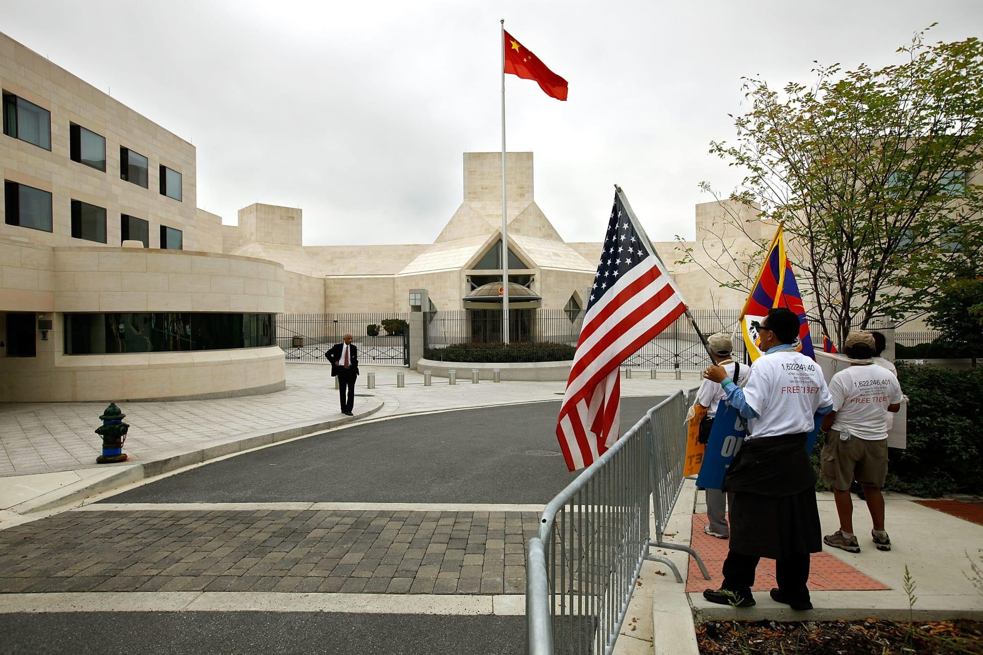 الشرطة الأمريكية تحقق في وفاة طفل بالسفارة الصينية بواشنطن