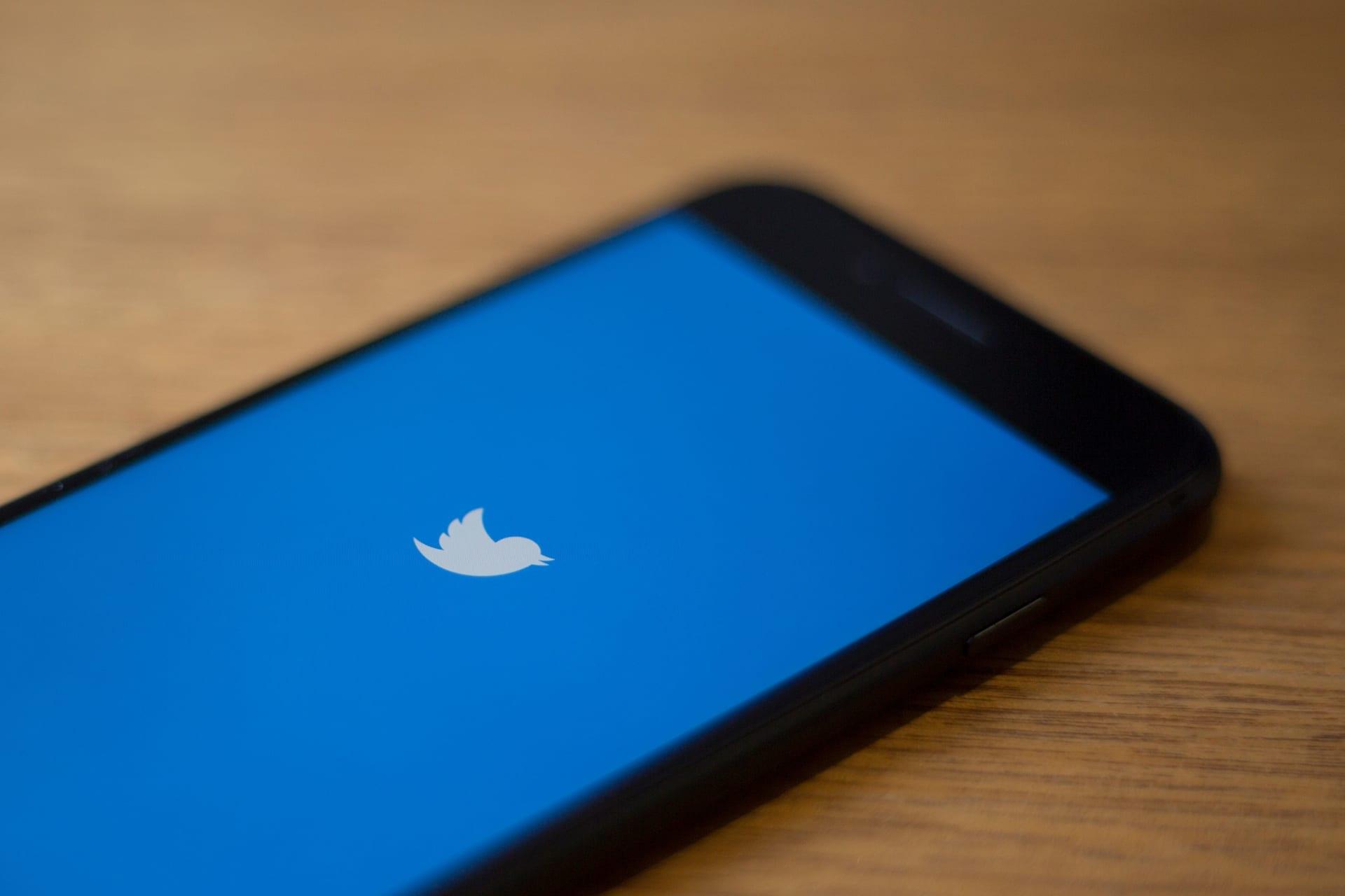 السلطات الأمريكية: مراهق يقف وراء الاختراق الكبير لحسابات مشاهير تويتر