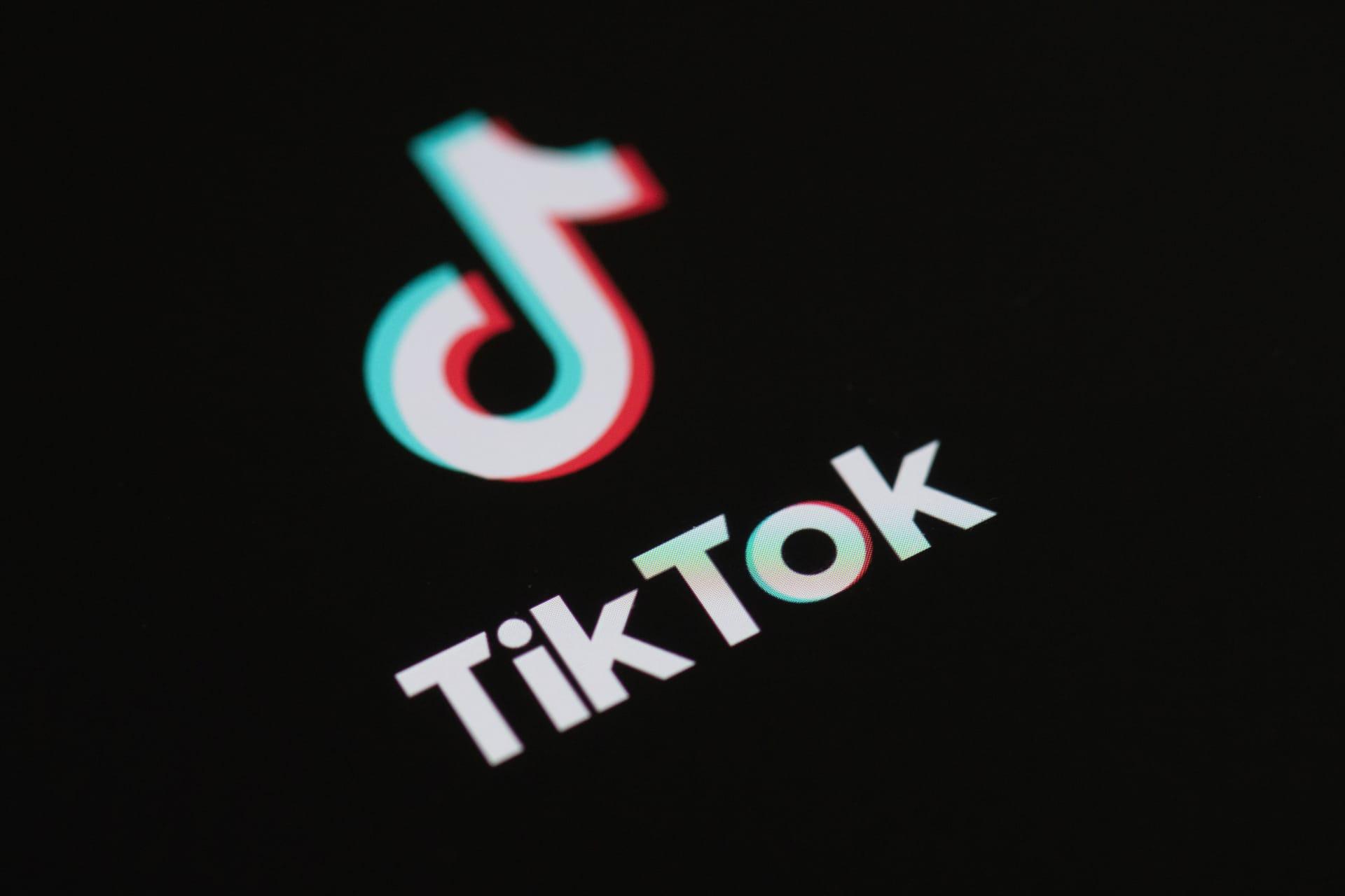 """مايكروسوفت تجري مباحثات لشراء تيك توك.. وترامب يستعد لإصدار أمر """"إجباري"""" بشأنه"""