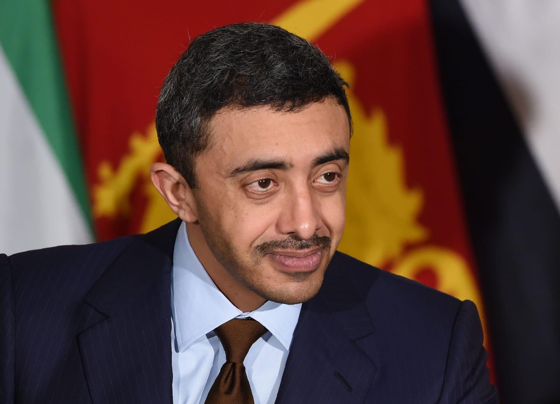 اتصال مرئي بين وزيري خارجية الإمارات وإيران.. فما القضايا التي بحثاها؟