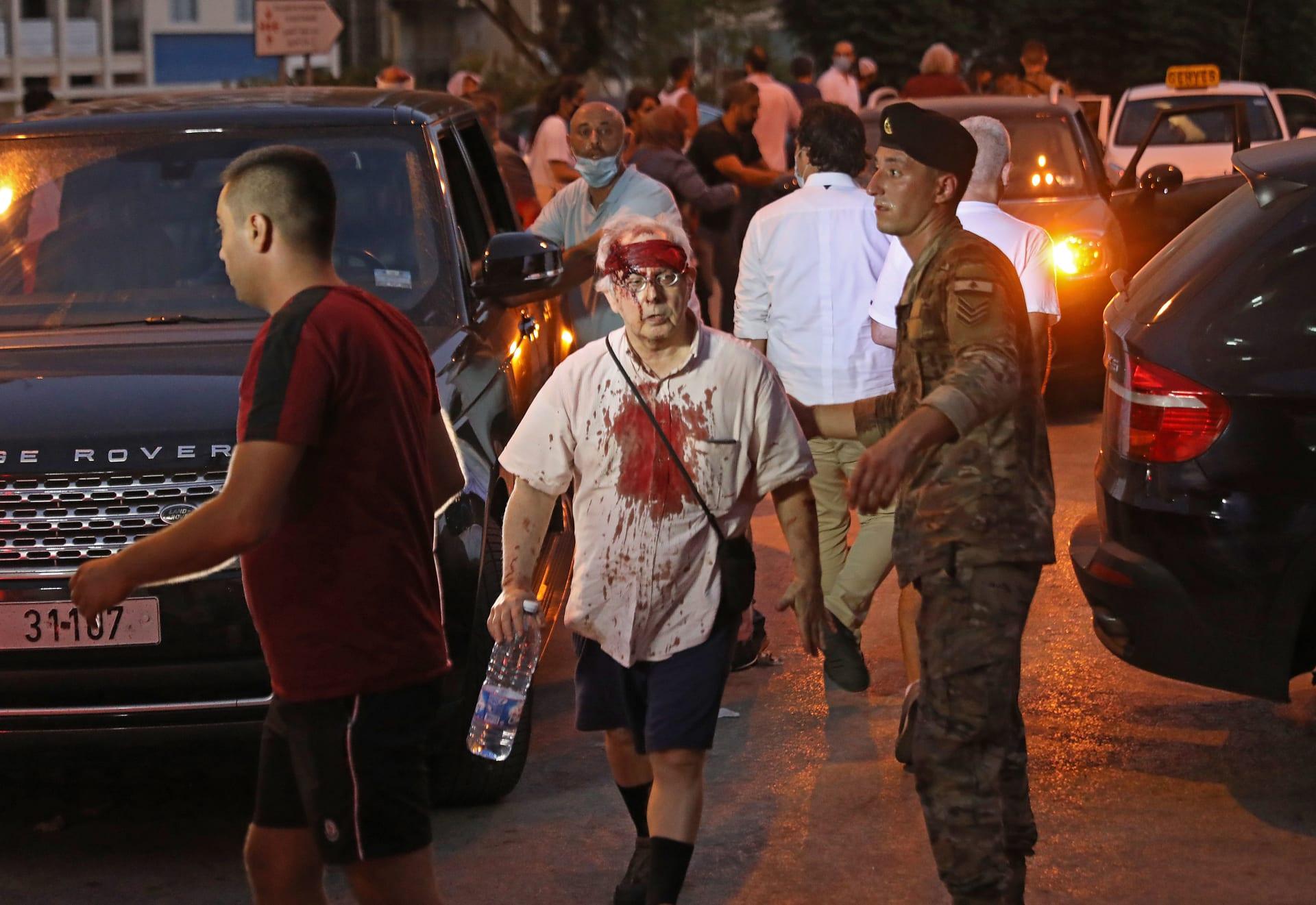 """وزير الاقتصاد اللبناني: جميع المنازل والمحال التجارية تضررت من """"انفجار بيروت"""""""