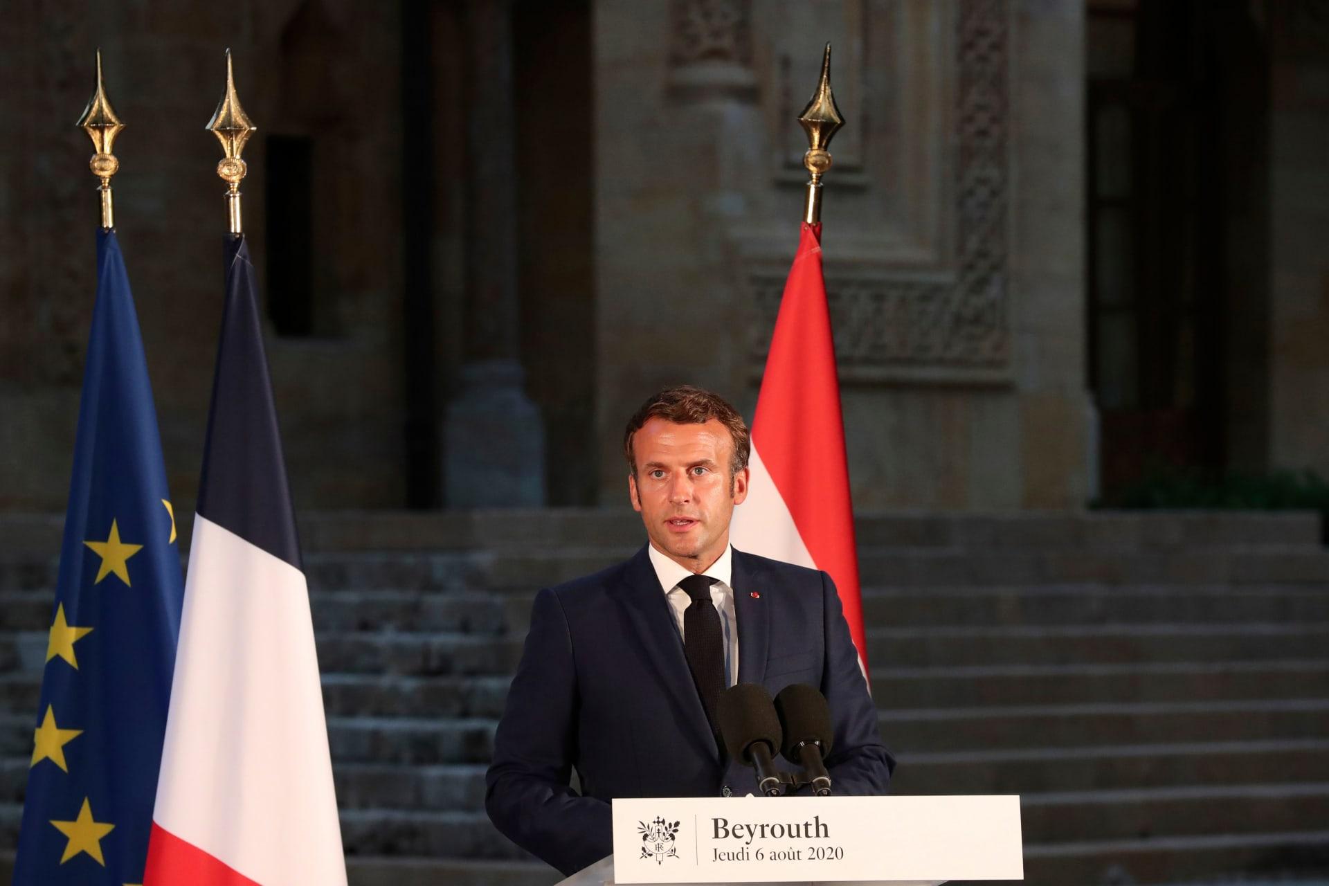 الرئيس الفرنسي إيمانويل ماكرون في مؤتمر صحفي في العاصمة اللبنانية بيروت