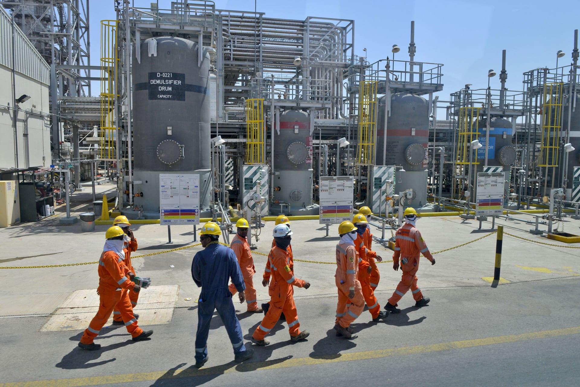 """أرامكو السعودية ترى """"انتعاشاً جزئياً"""" في سوق النفط مع انتعاش الصين"""
