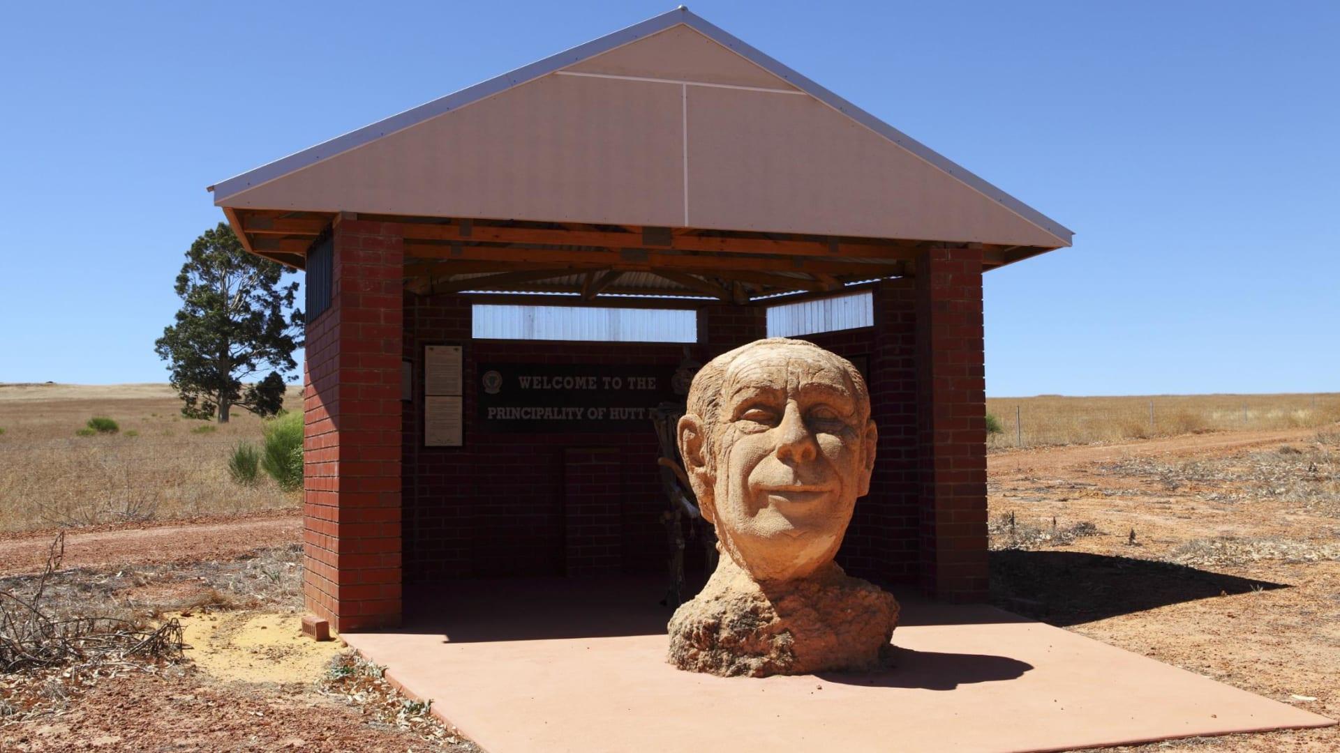 بسبب فيروس كورونا.. أقدم دولة مجهرية في أستراليا تختفي