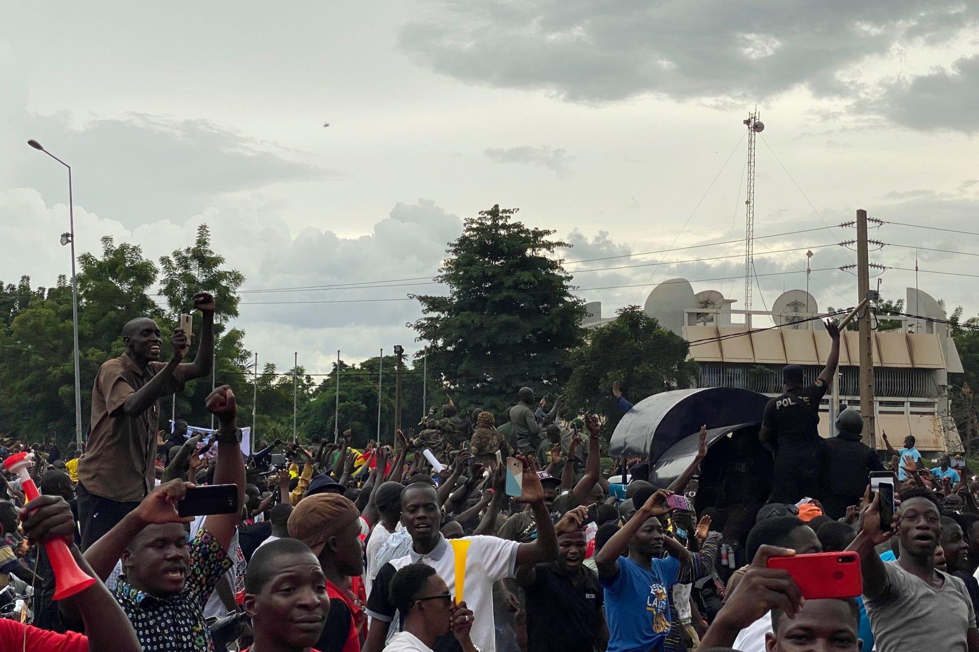 الاتحاد الأفريقي يدين اعتقال رئيس مالي ورئيس الحكومة من قبل متمردي الجيش