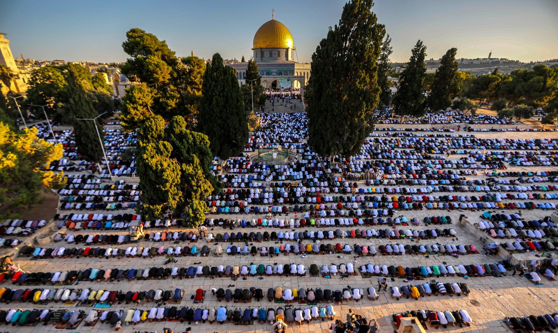 صورة أرشيفية لصلاة في المسجد الأقصى