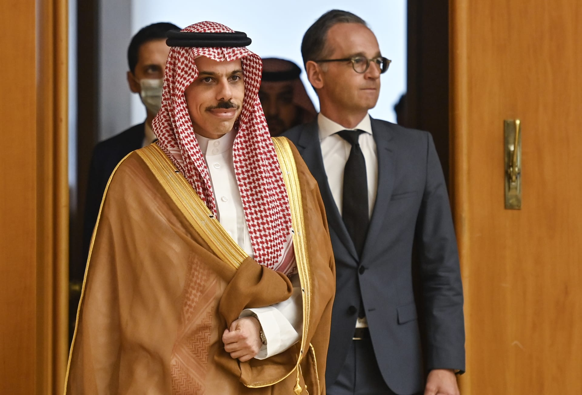 وزير خارجية السعودية: ملتزمون بخيار السلام بشروط ونقدر أي جهود لتعزيزه
