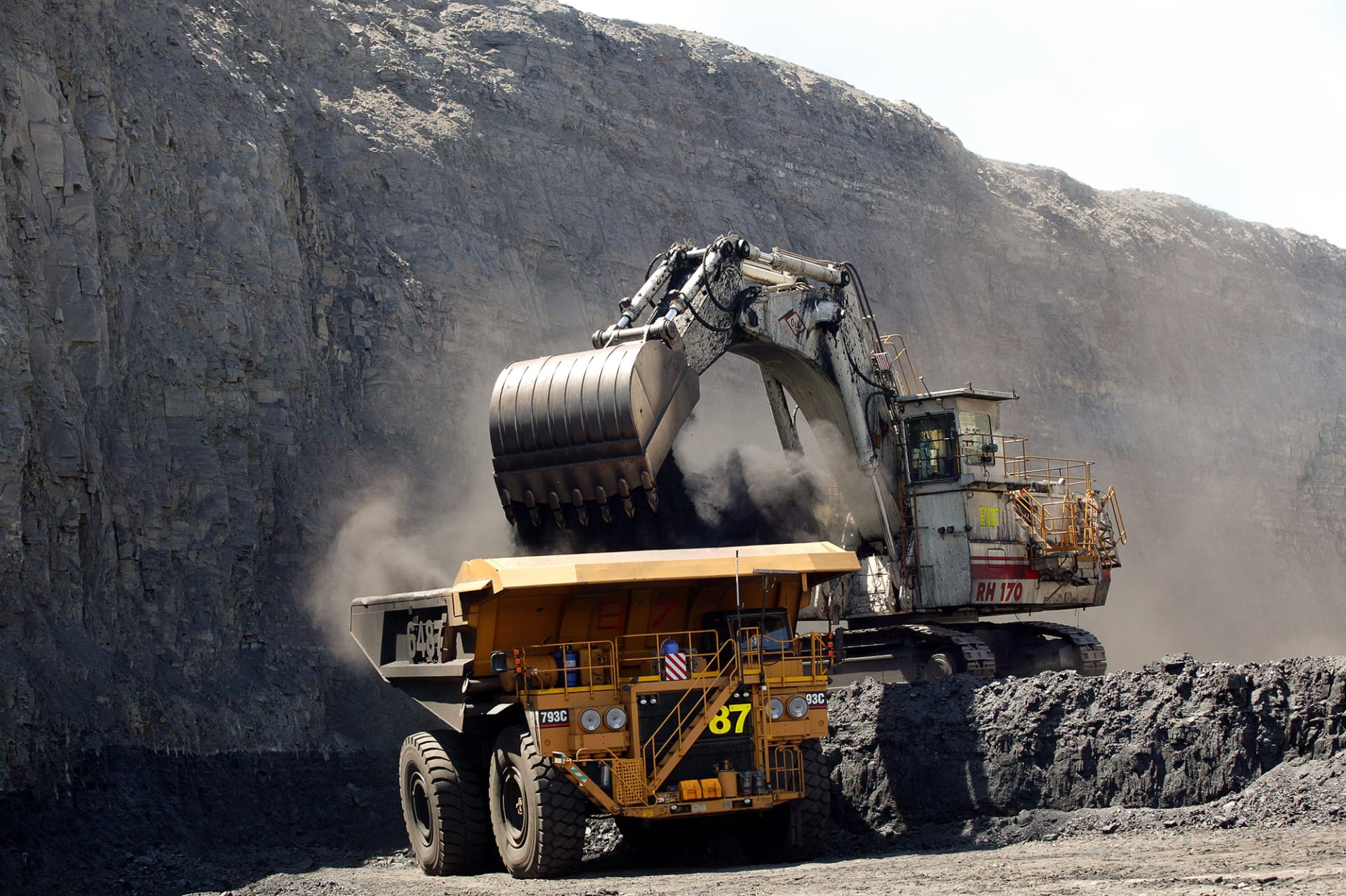 أكبر شركة تعدين في العالم تبتعد عن مشاريع تعدين الفحم
