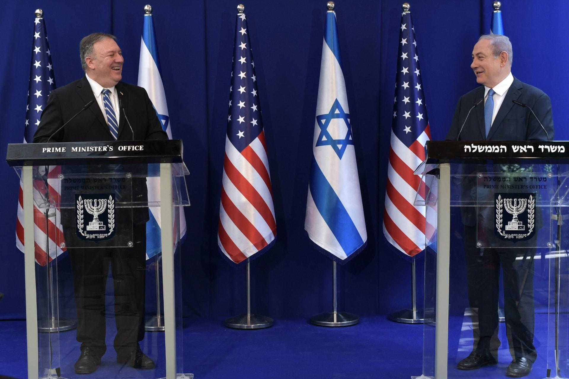 رئيس وزراء إسرائيل بنيامين نتنياهو ووزير الخارجية الأمريكي مايك بومبيو