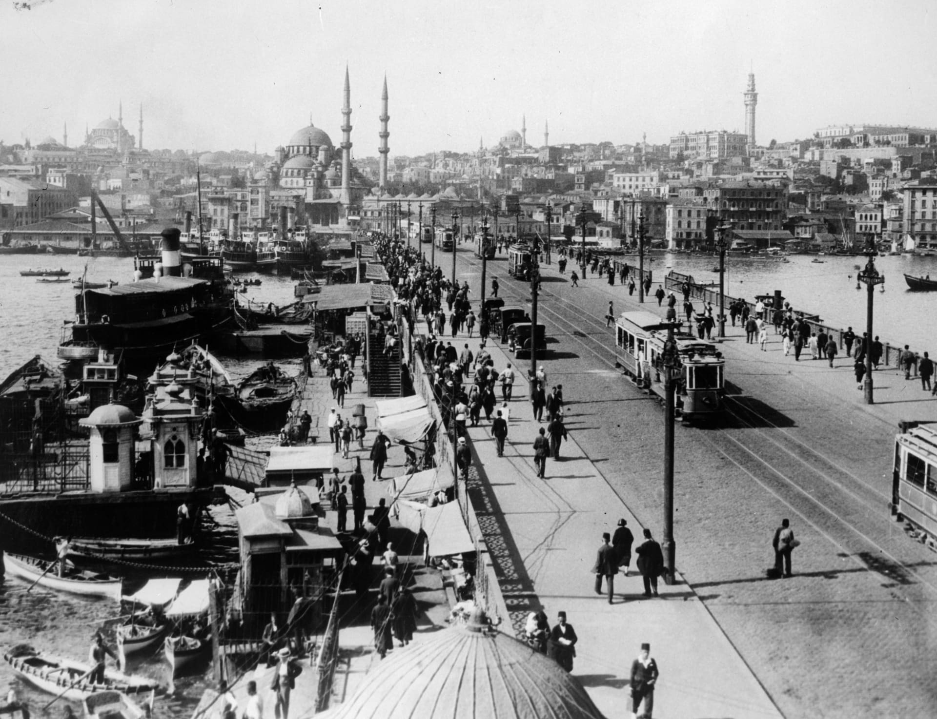 """تقرير تركي يرد على """"أنظمة عربية"""" وعدائها للعثمانيين وتستشهد بمؤرخ مصري"""