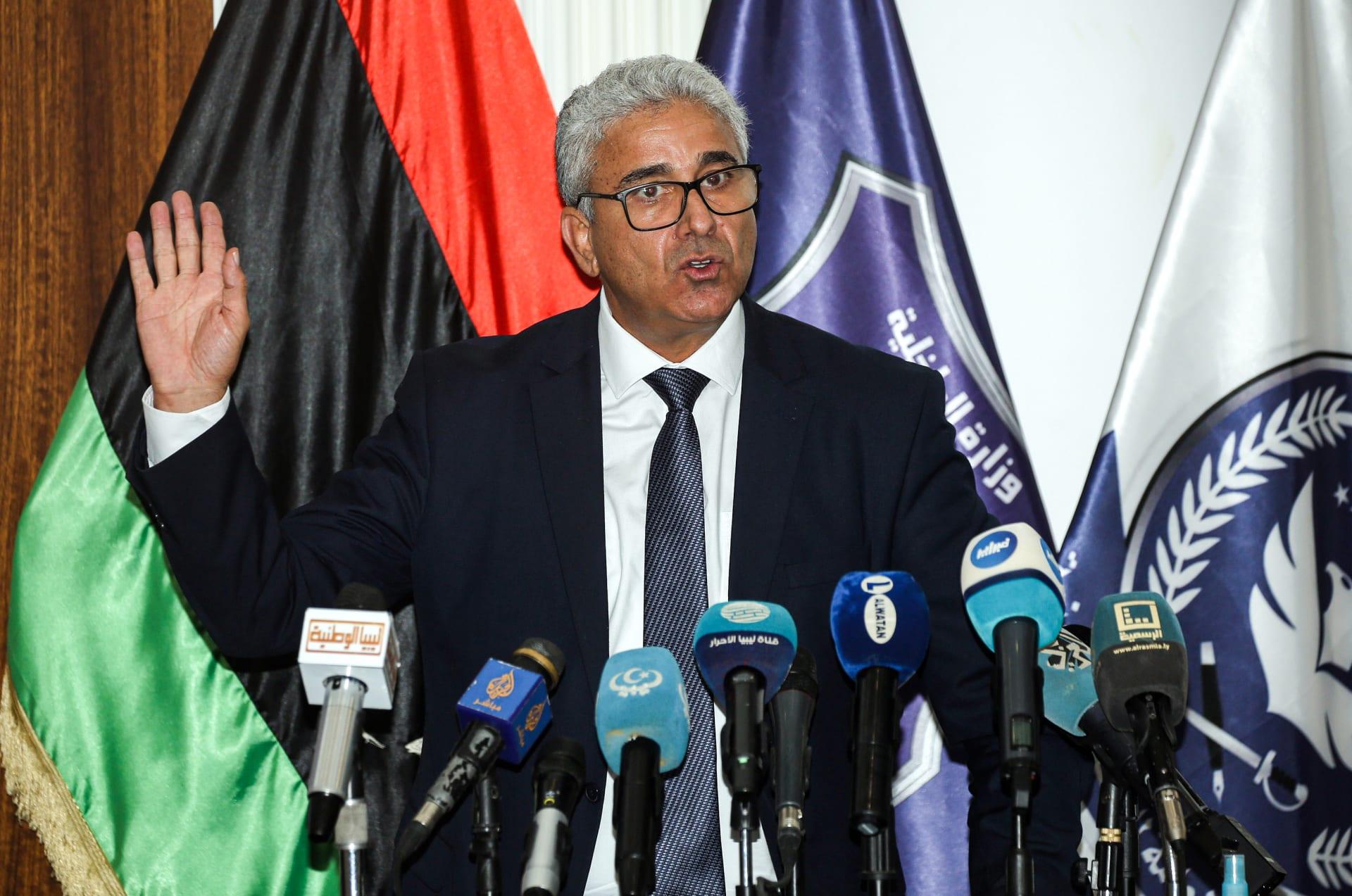 وزير داخلية الوفاق يقبل التحقيق.. واحتفالات بالأسلحة في طرابلس