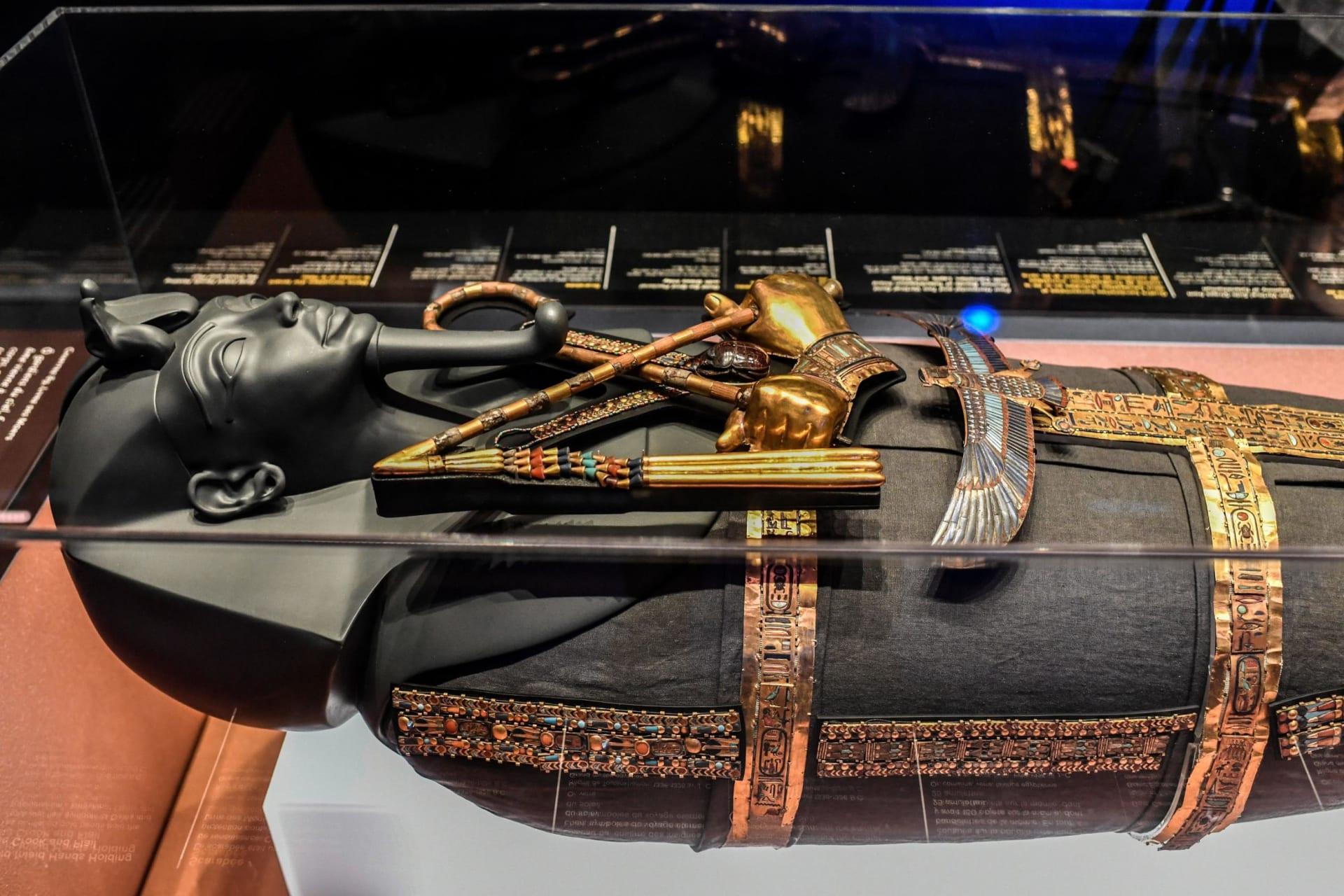 بعد جولة عالمية بدأت عام 2018..  عودة معرض آثار توت عنخ آمون إلى مصر فجر الجمعة
