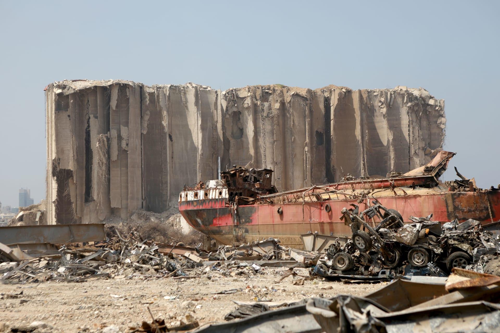 آثار الانفجار المدمر في مرفأ بيروت