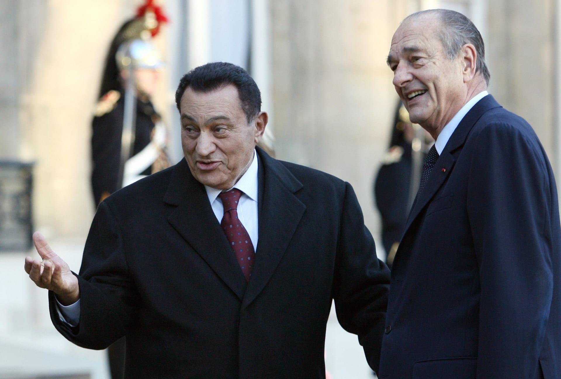 """حسن مصطفى: مبارك طلب """"تفويت"""" مباراة مصر لصالح فرنسا في مونديال 2001"""