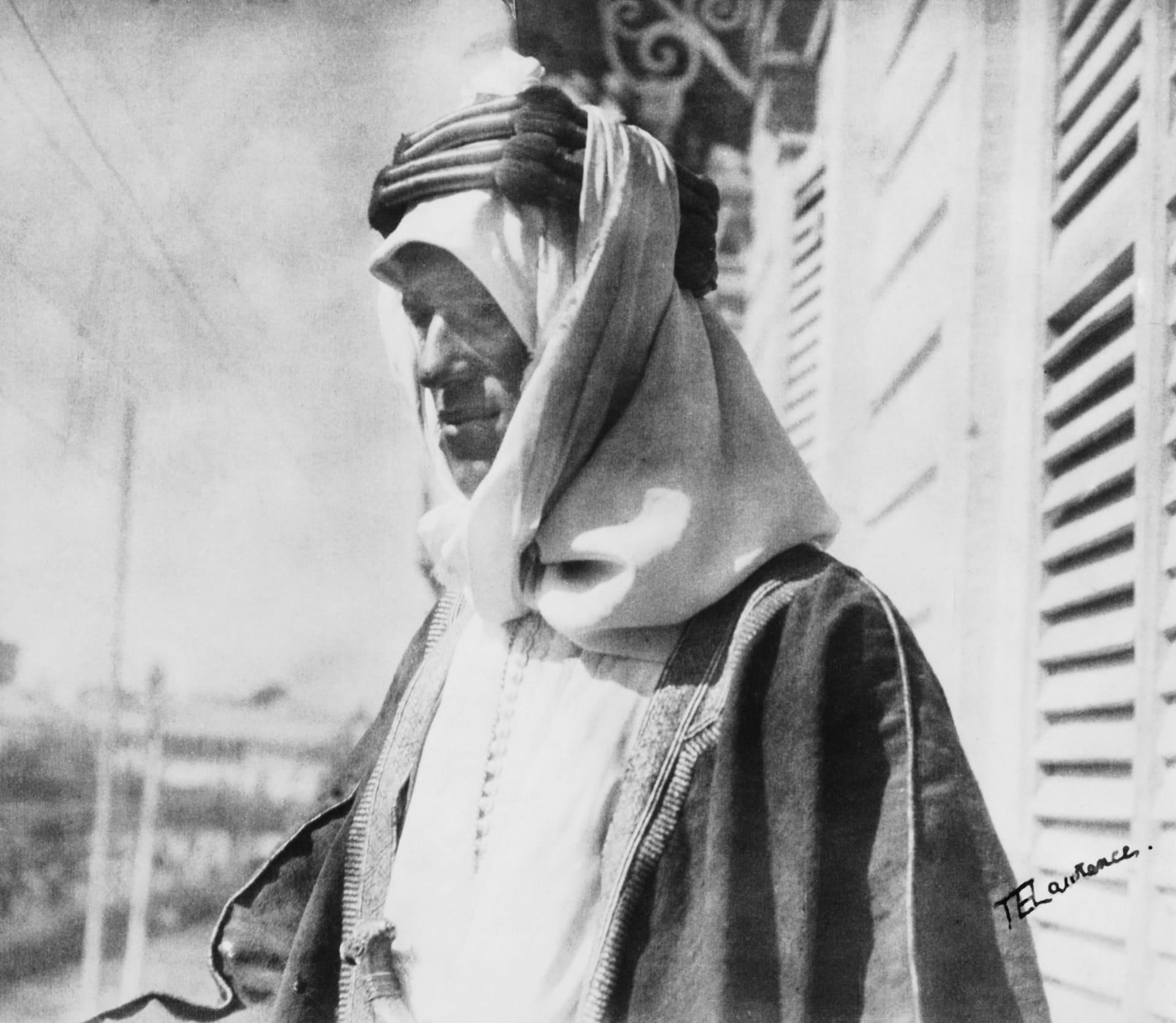 """حارب العثمانيين.. جدل بسبب أنباء عن ترميم منزل """"لورنس العرب"""" في السعودية"""