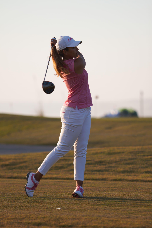 ما هي الأخطاء الشائعة التي يرتكبها المبتدئين في ملعب الغولف؟ الرائدة المغربية بعالم الغولف مها الحديوي تجيب
