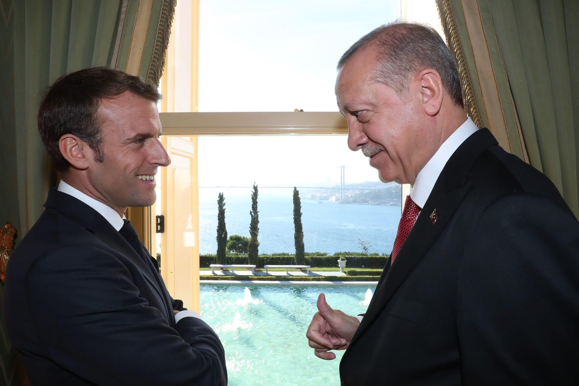 صورة أرشيفية لأردوغان وماكرون