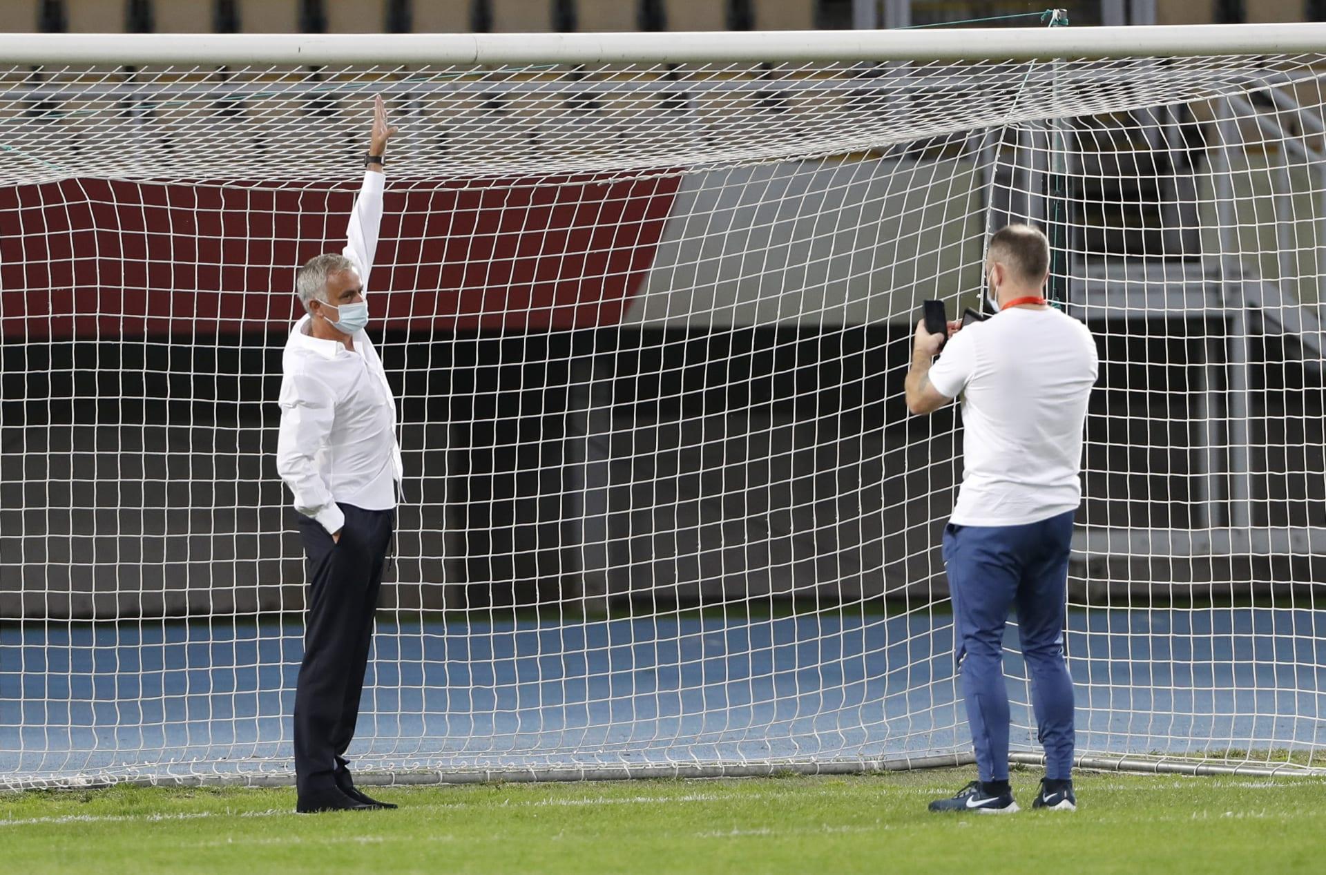 مورينيو يكشف موقفًا طريفًا في مباراة توتنهام الأخيرة بالدوري الأوروبي