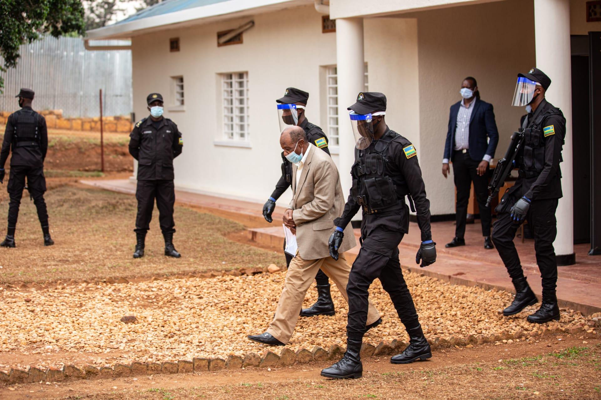 """بطل فيلم """"فندق رواندا"""" يمثل أمام المحكمة للمرة الثانية في اتهامه بالإرهاب"""