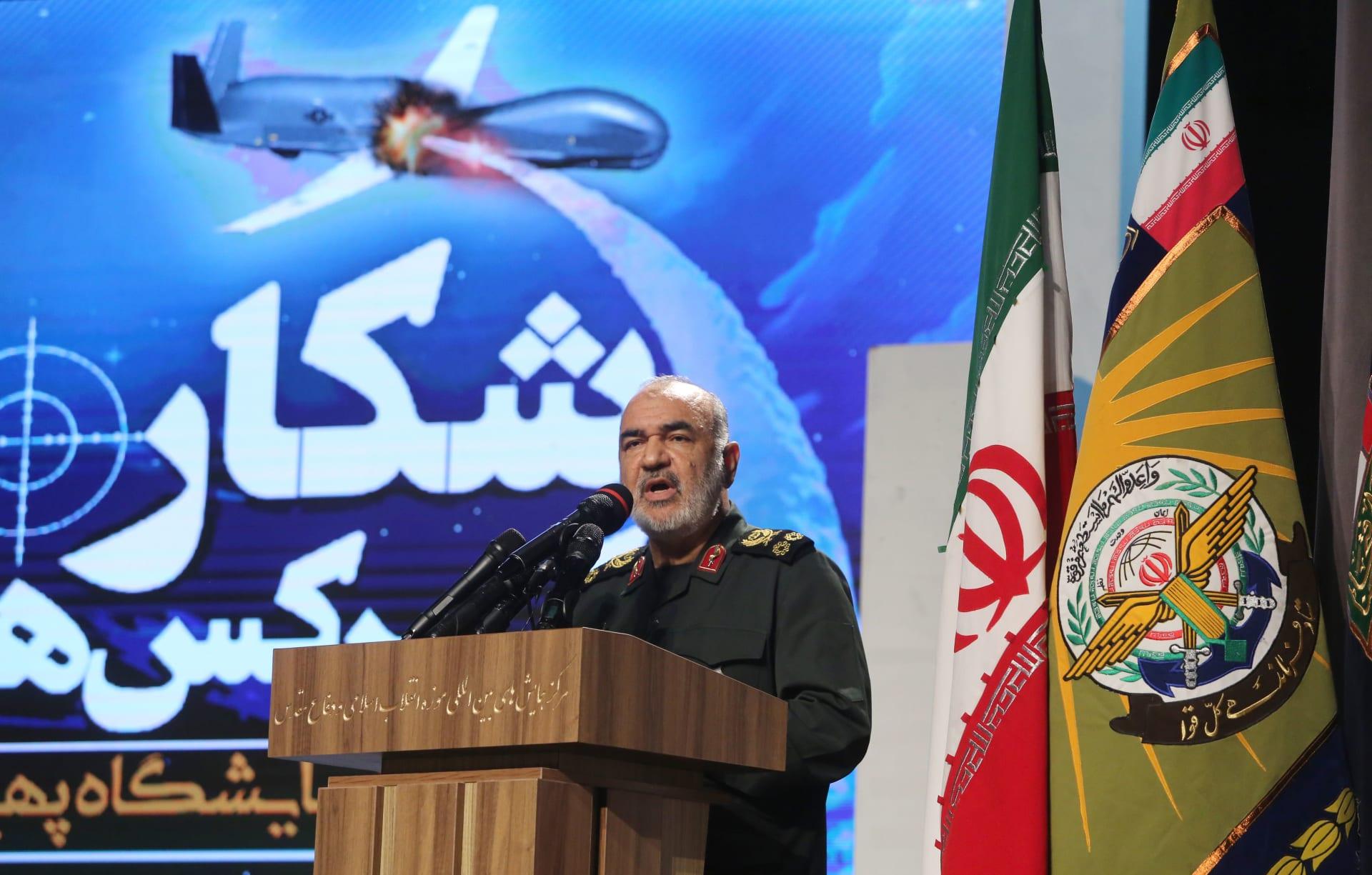 صورة أرشيفية لقائد الحرس الثوري الإيراني حسين سلامي