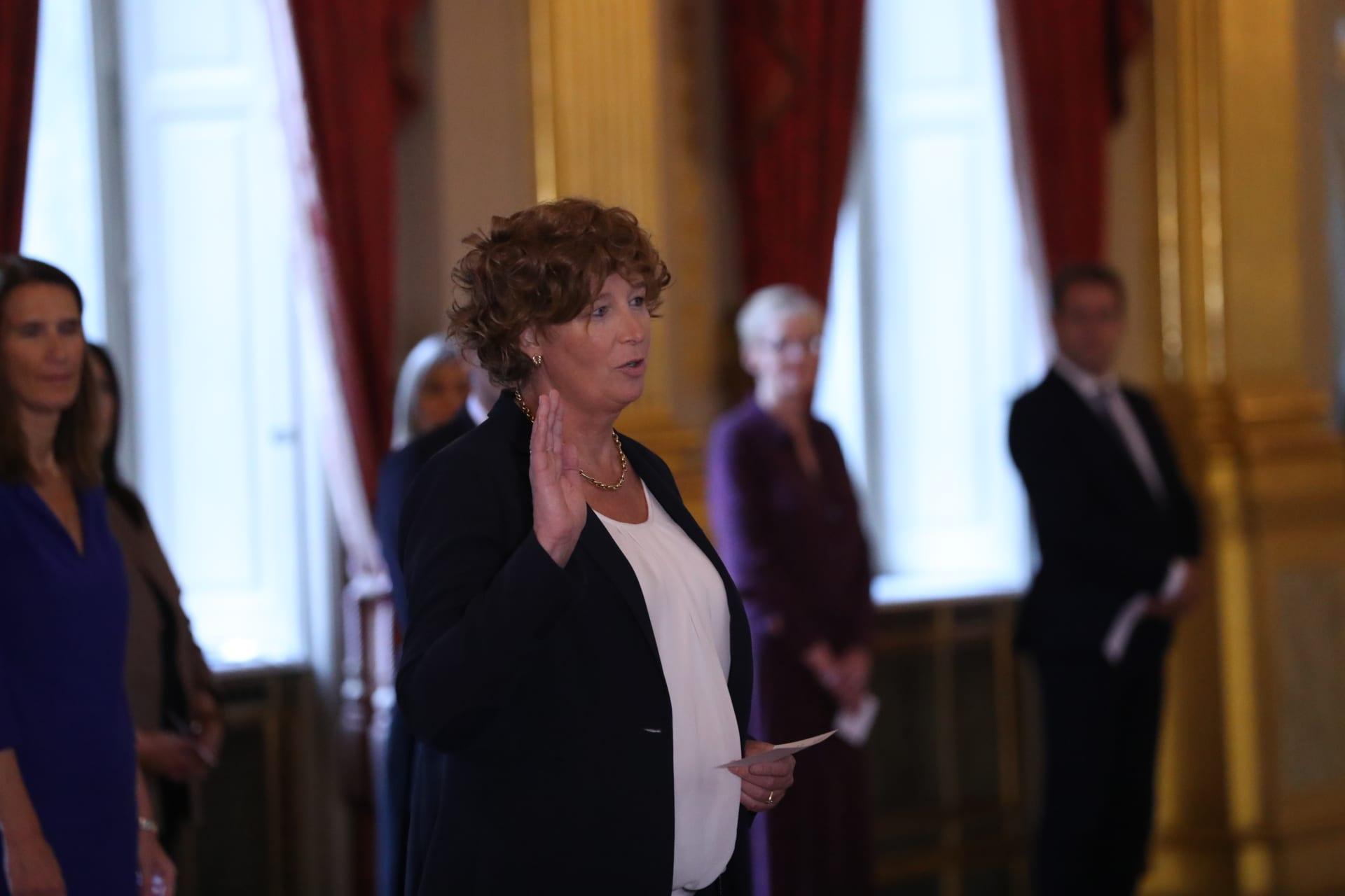 أكبر سياسية متحولة جنسياً في أوروبا تتقلد منصبًا بحكومة بلجيكا