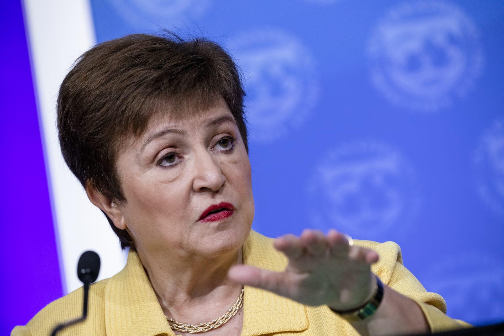 """النقد الدولي: الأزمة لم تنته ولكن.. الاقتصاد العالمي في وضع """"أقل خطورة"""" من قبل"""