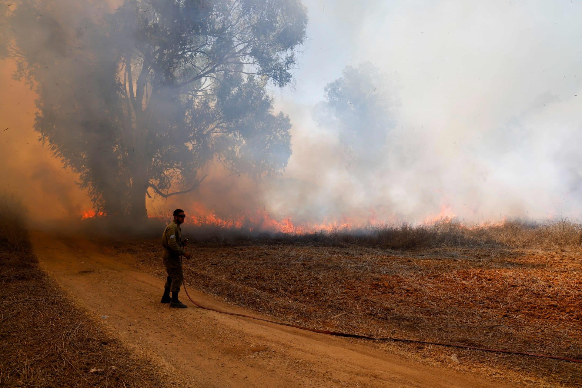 """حرائق """"ضخمة"""" في لبنان وسوريا وإسرائيل بسبب درجات الحرارة.. ومسؤول سوري: الوضع صعب"""