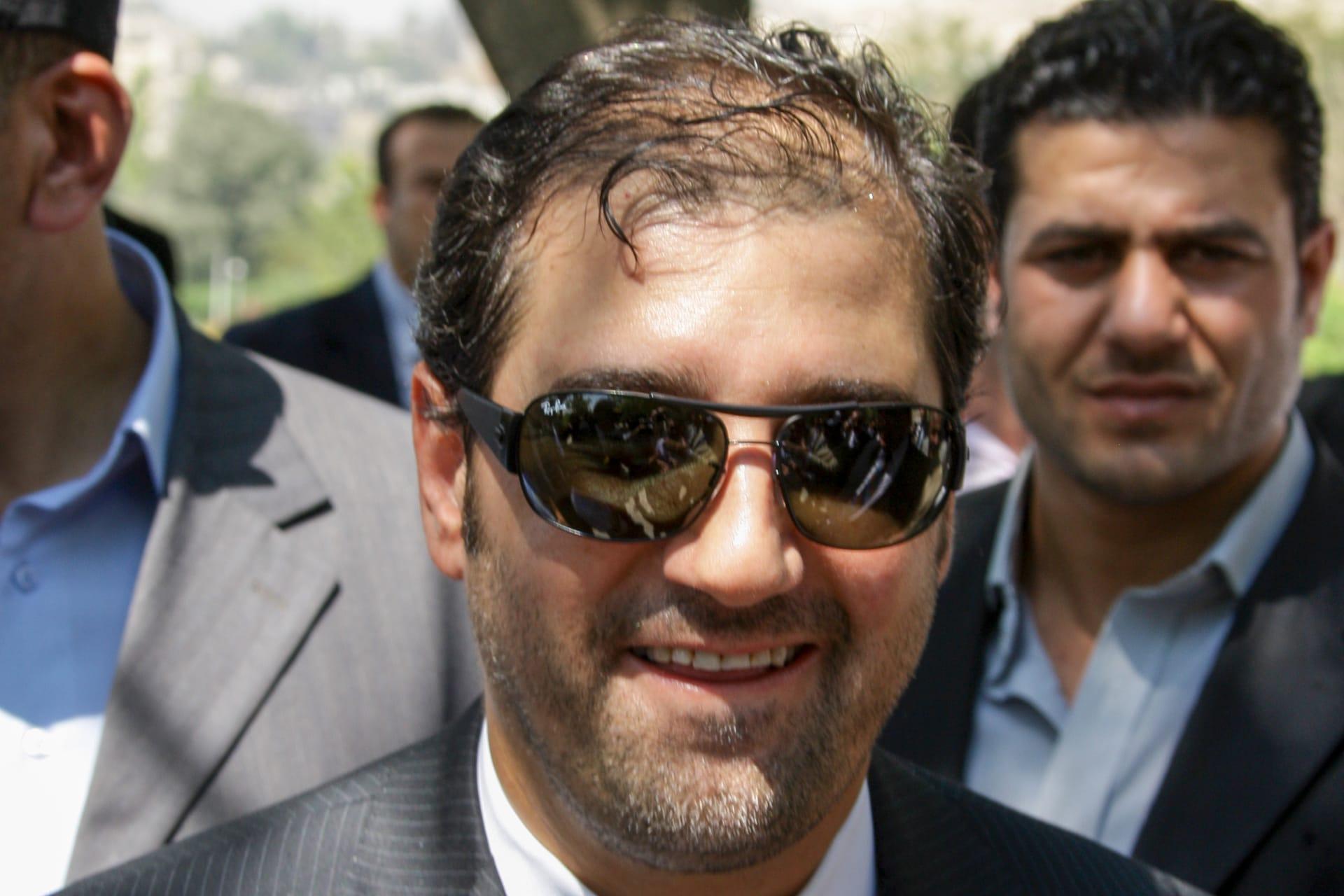 مطار بيروت يرد على ما أثير حول سفر أسرة رجل الأعمال السوري رامي مخلوف