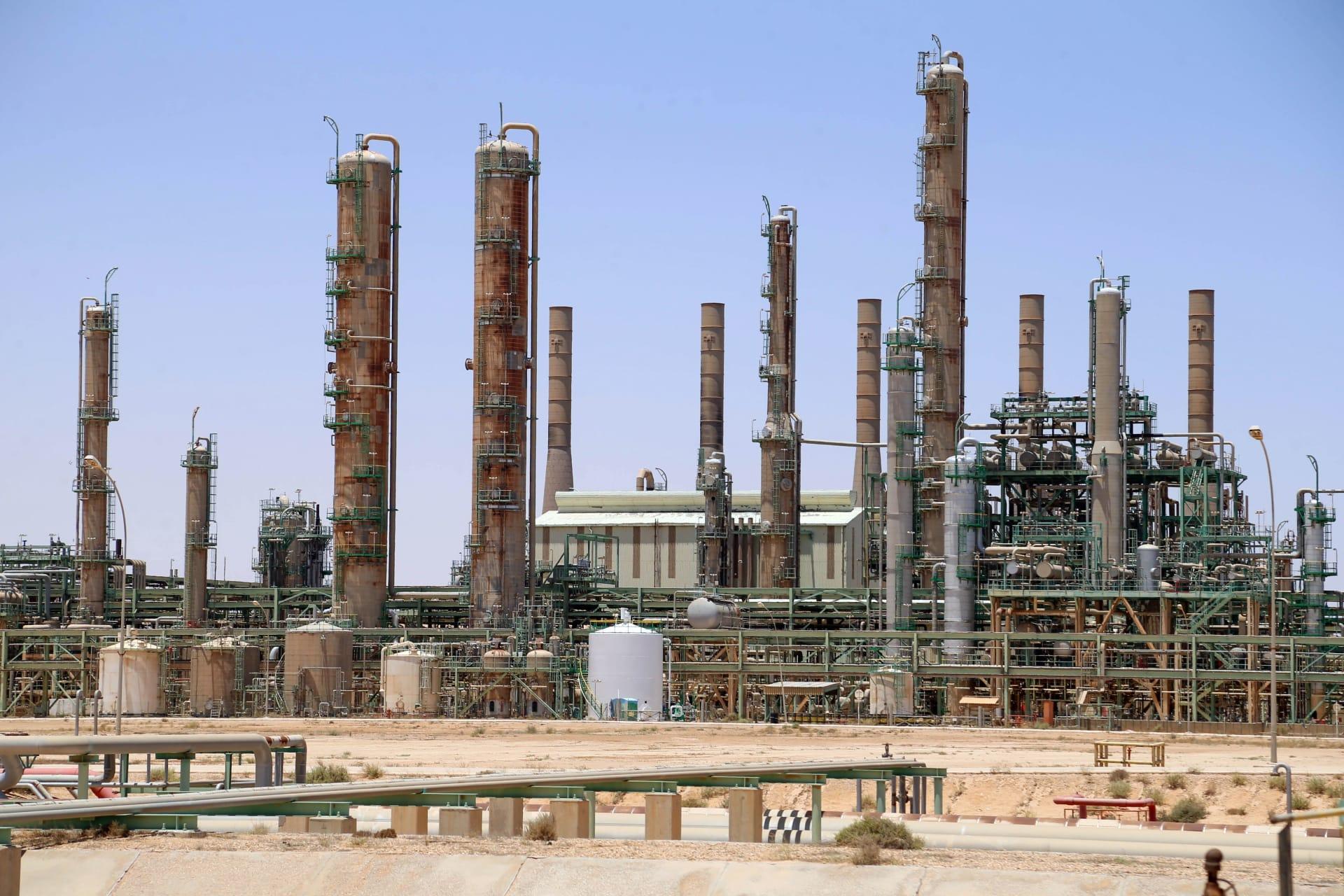 ليبيا.. إعادة تشغيل حقل الشرارة أكبر حقول النفط في البلاد