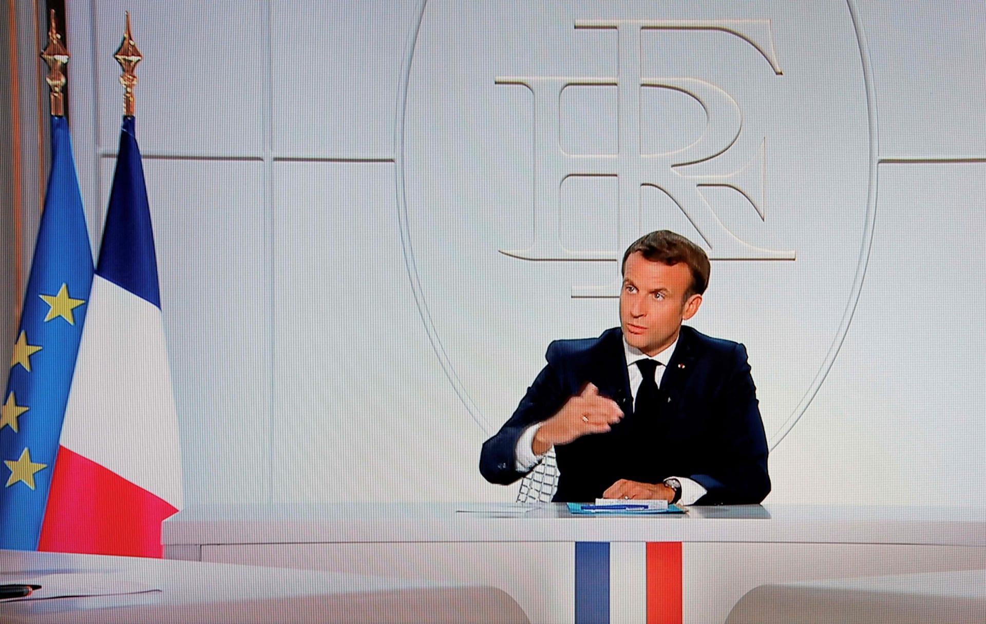 ماكرون يعلن حظر التجول ليلا في باريس ومدن أخرى.. و160 دولارًا غرامة المخالفين